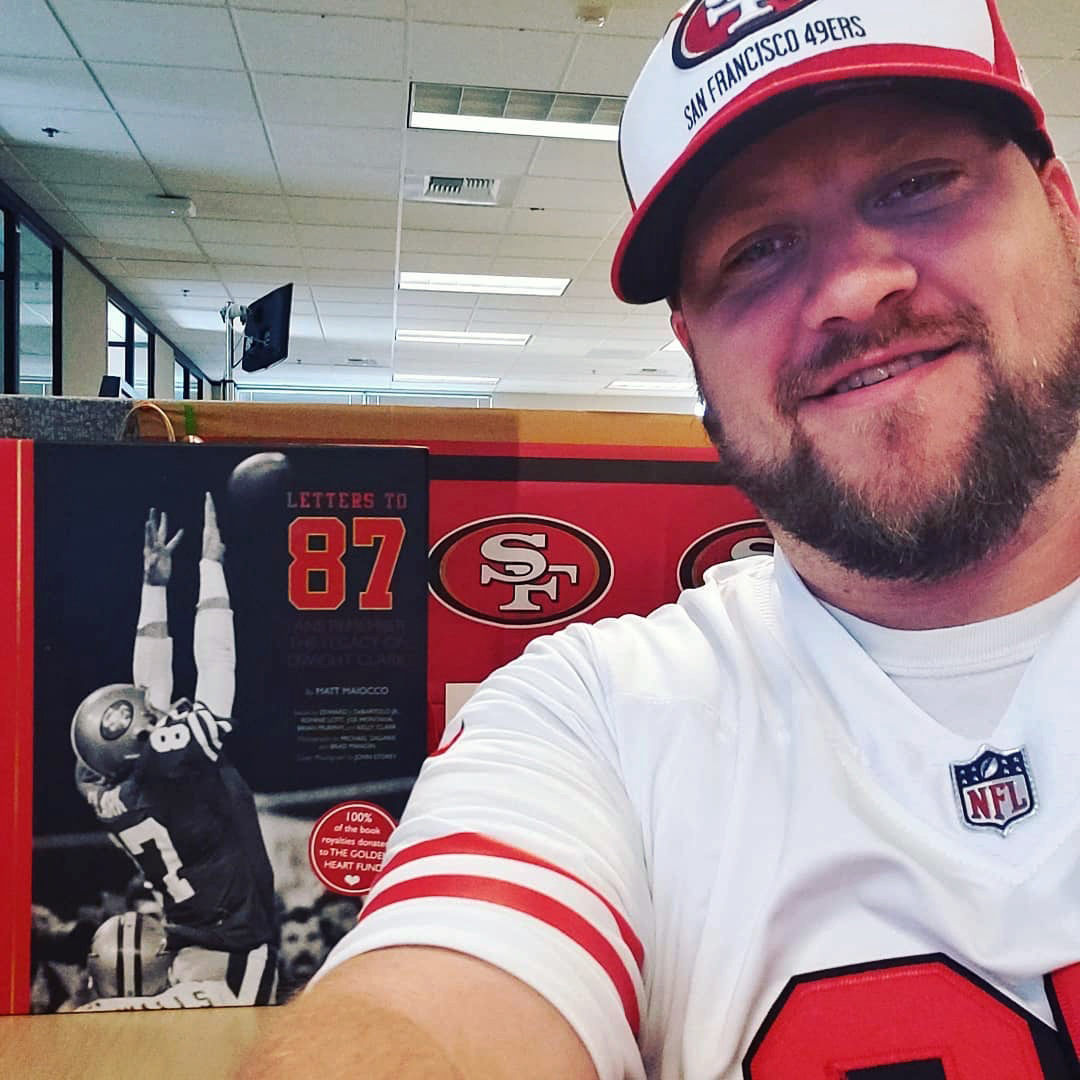 @danda49erfan - At work waiting for the  @49ers  game tonight. But its a slow day at work so just doing some reading of #LettersTo87