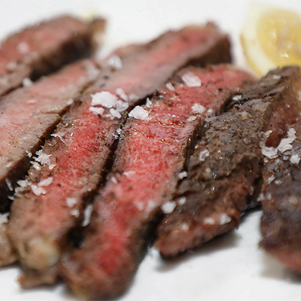 Steak on plate.png