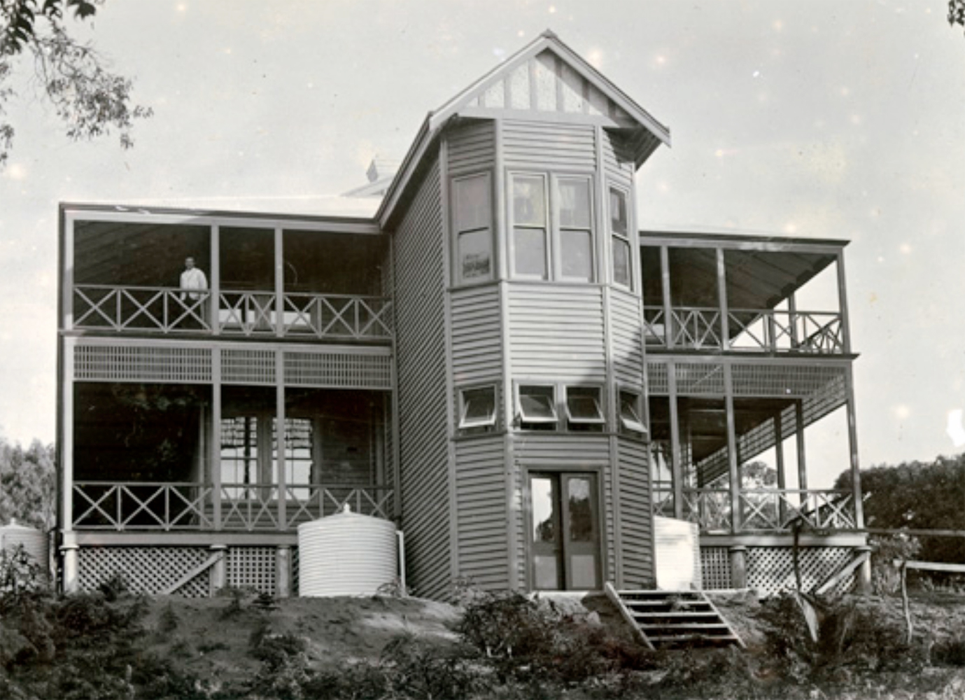 The original Caves House, Yallingup.    Opened in January 1903, it was a popular honeymoon destination for motoring newlyweds. This wing suffered extensive fire damage in 1930. Courtesy State Library of Western Australia.