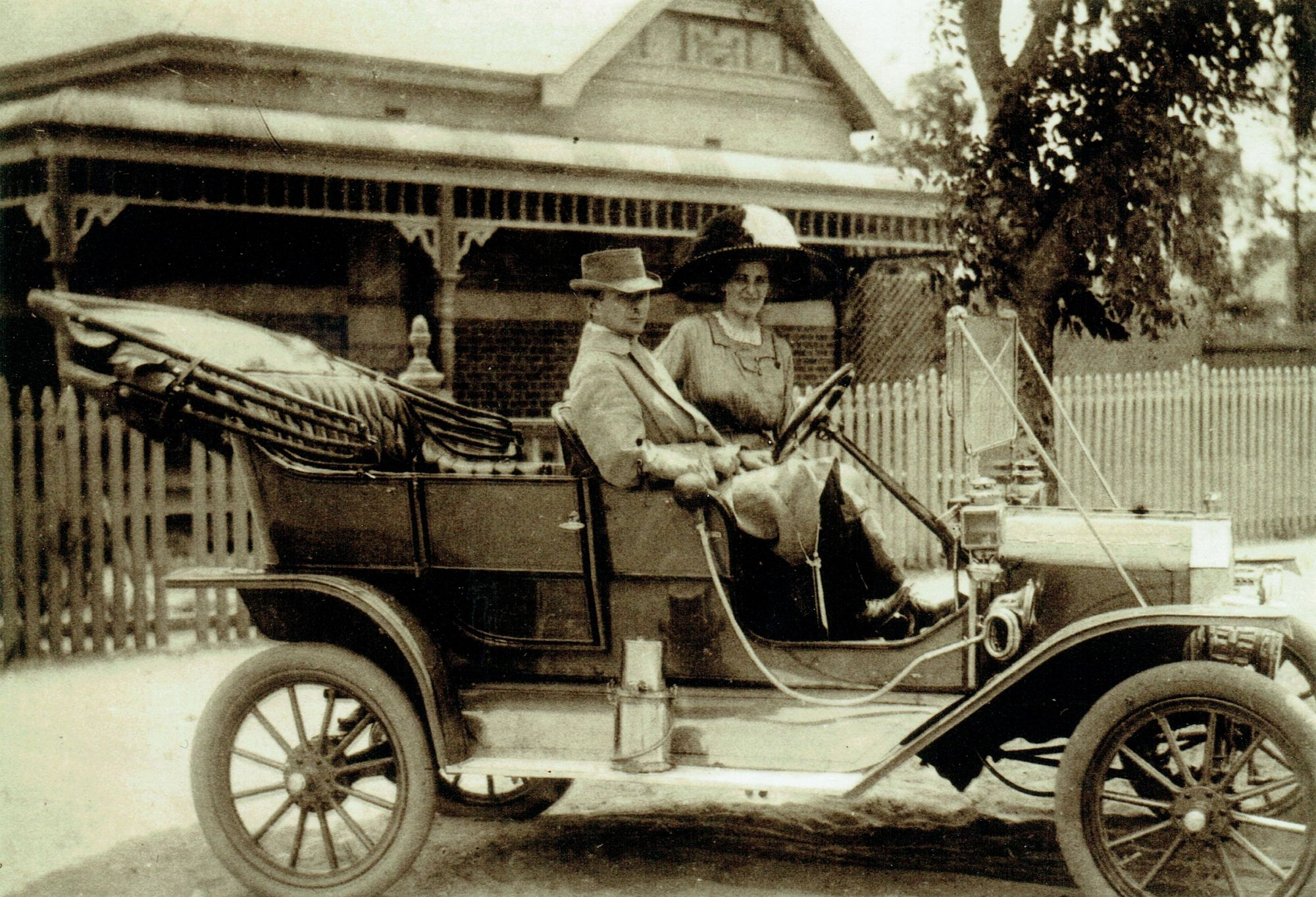 Nellie and Edwin Weston in 1911 Model T Ford, at Subiaco