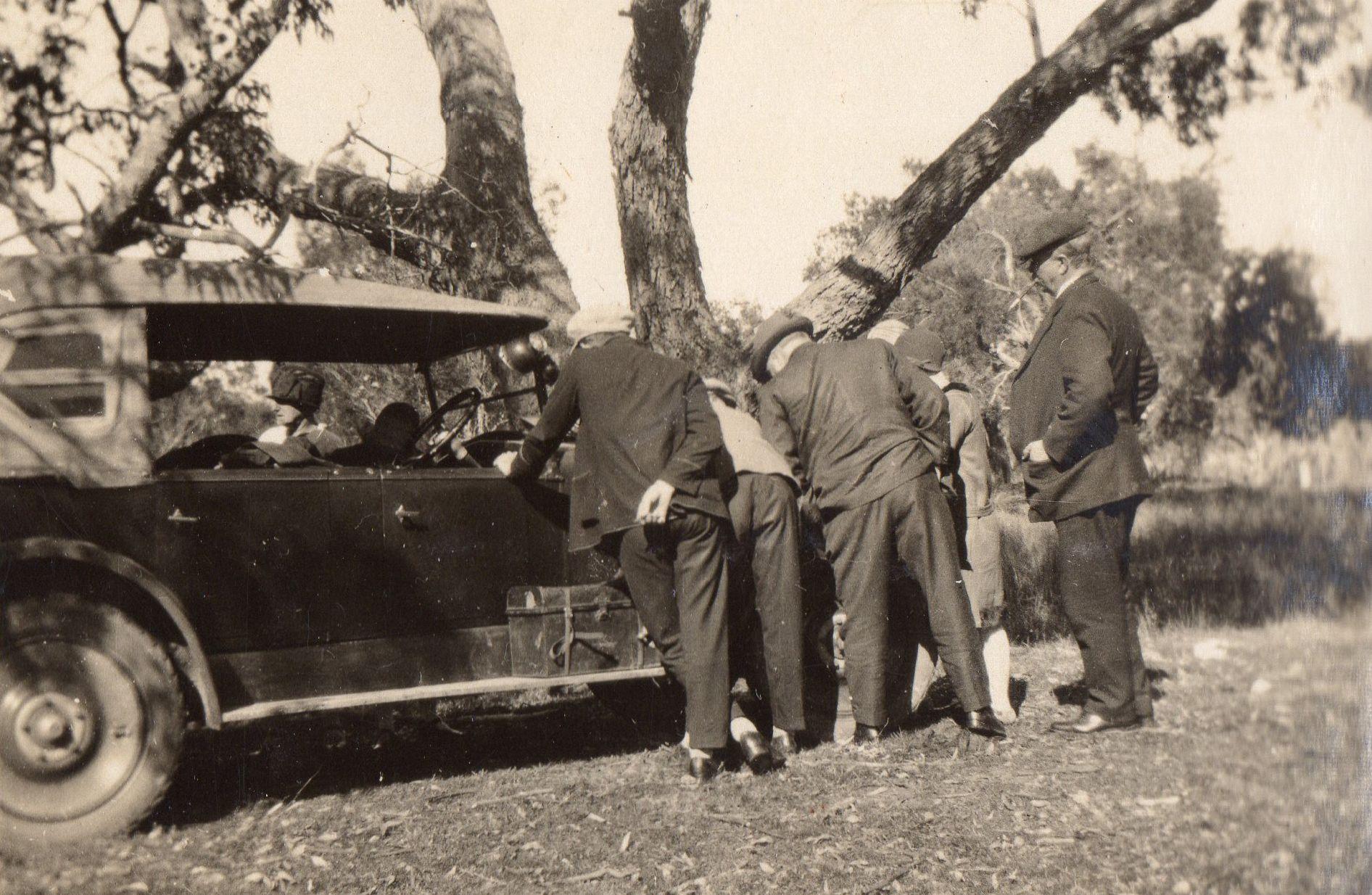 Picnic to Mundaring Weir 1924