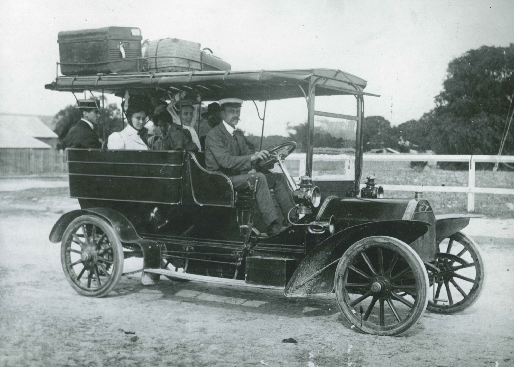 Percy Bignell with passengers in 1908 Star Charabanc Busselton to Yallingup Caves
