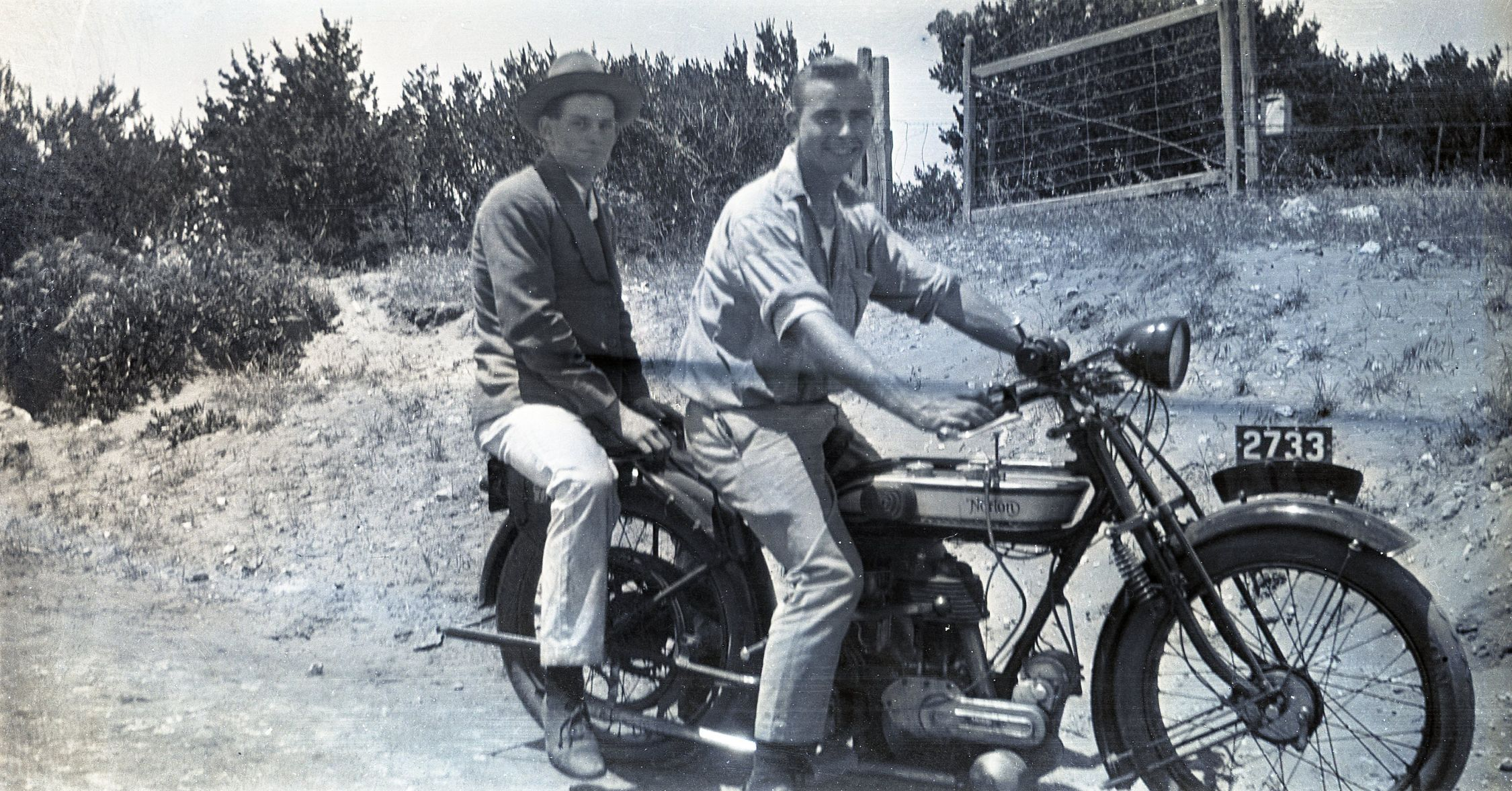 Alf Melsom (L) and unknown, 1925 Norton