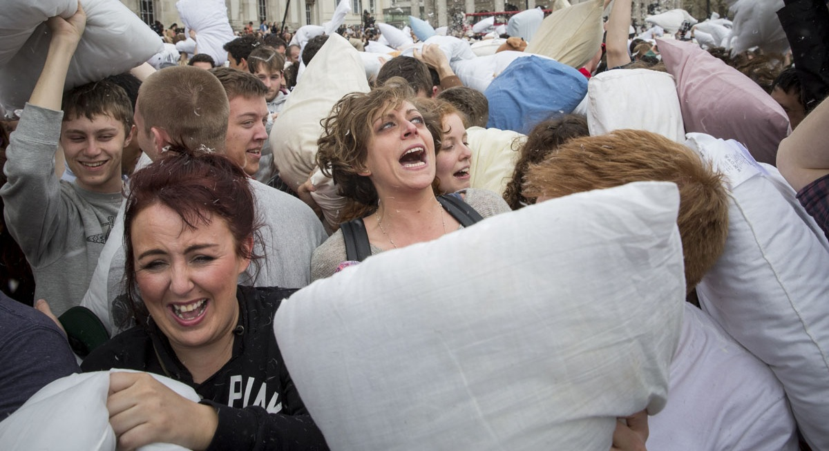 pillow-fight-20140405_0001.jpg