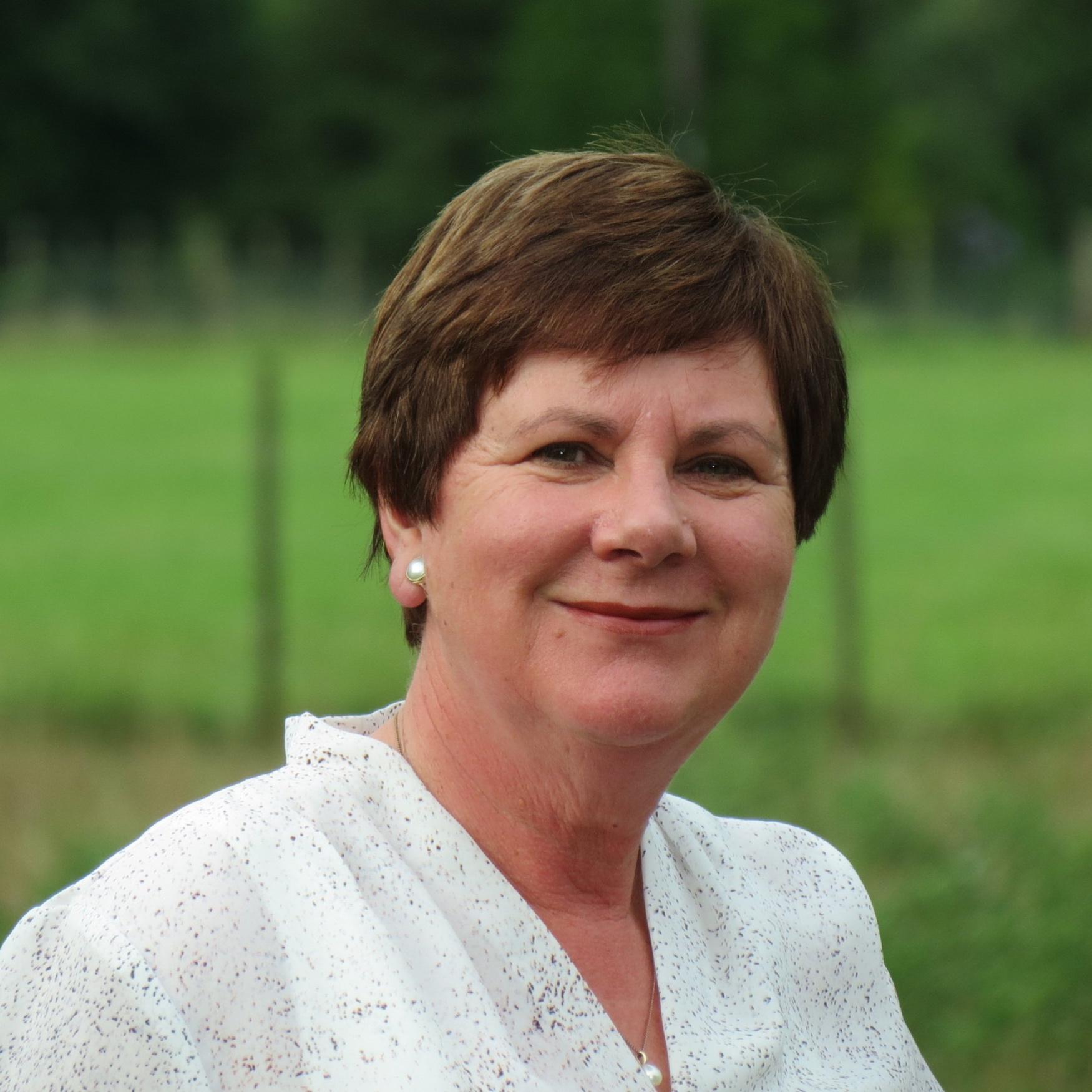 Lynette Wharfe - Consultant