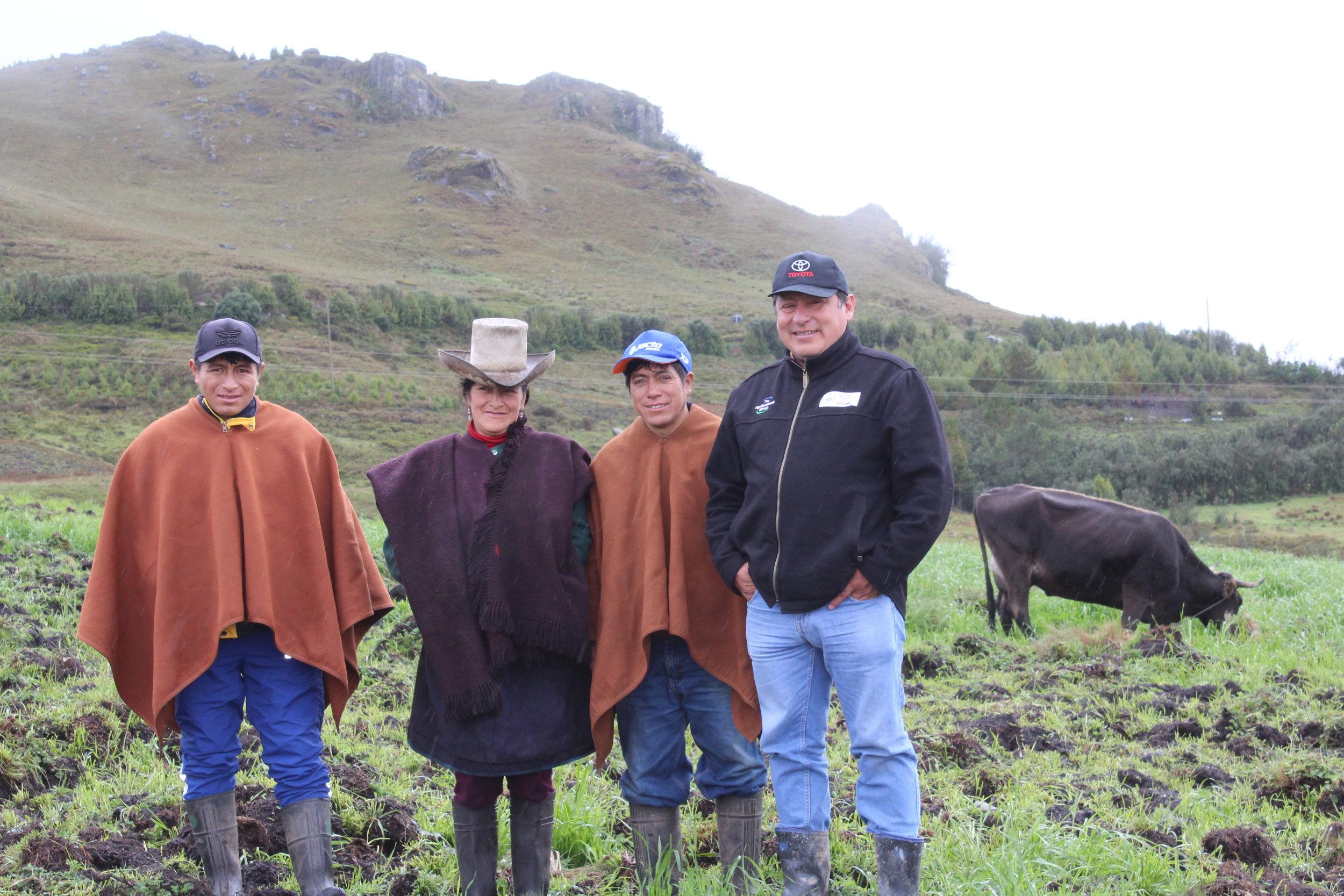 Julio Bustios (RC-Cajamarca) with dairy farmers in San Lorenzo, Santa Cruz, Cajamarca