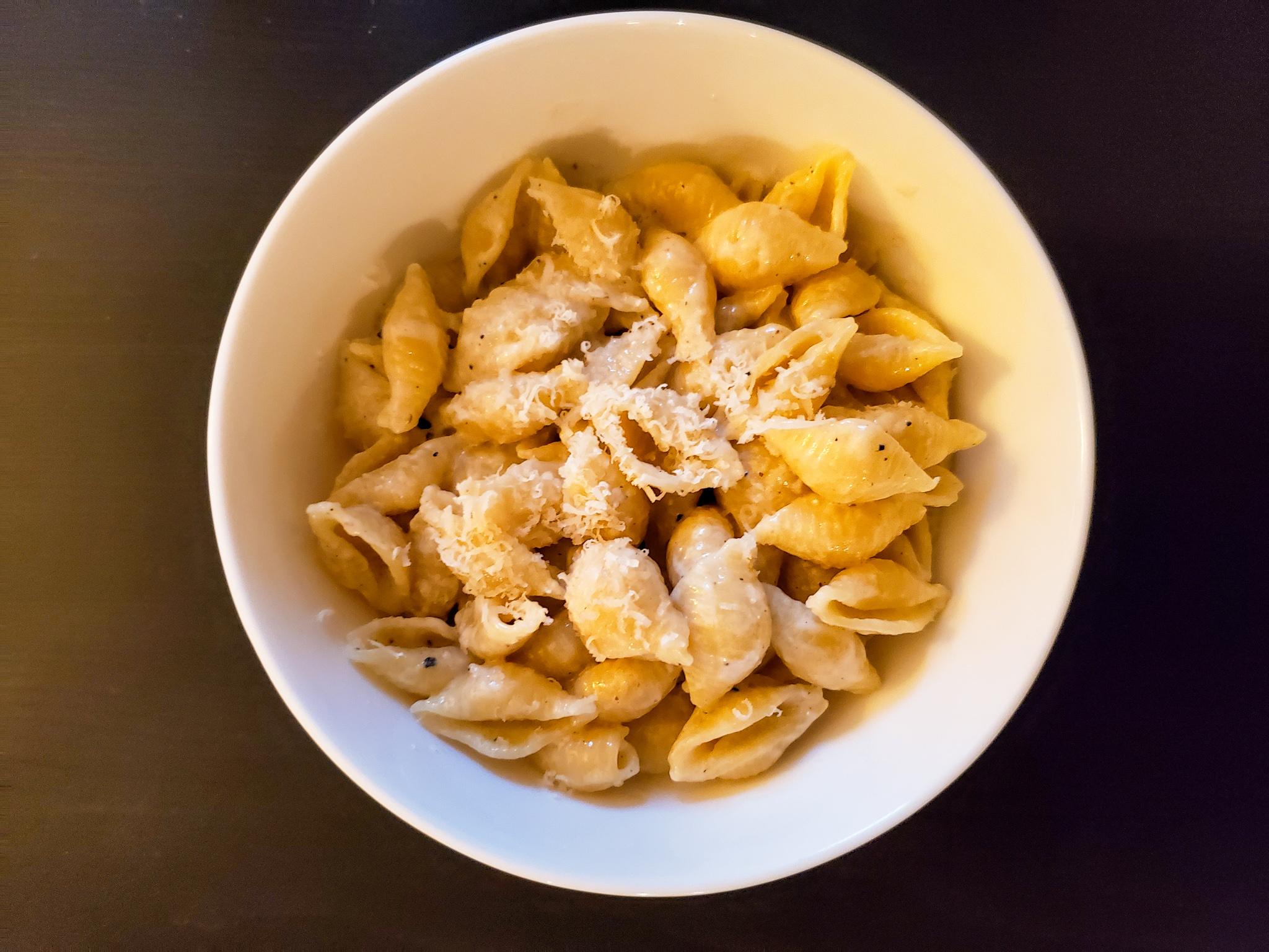 A bowl of mac n' cheese