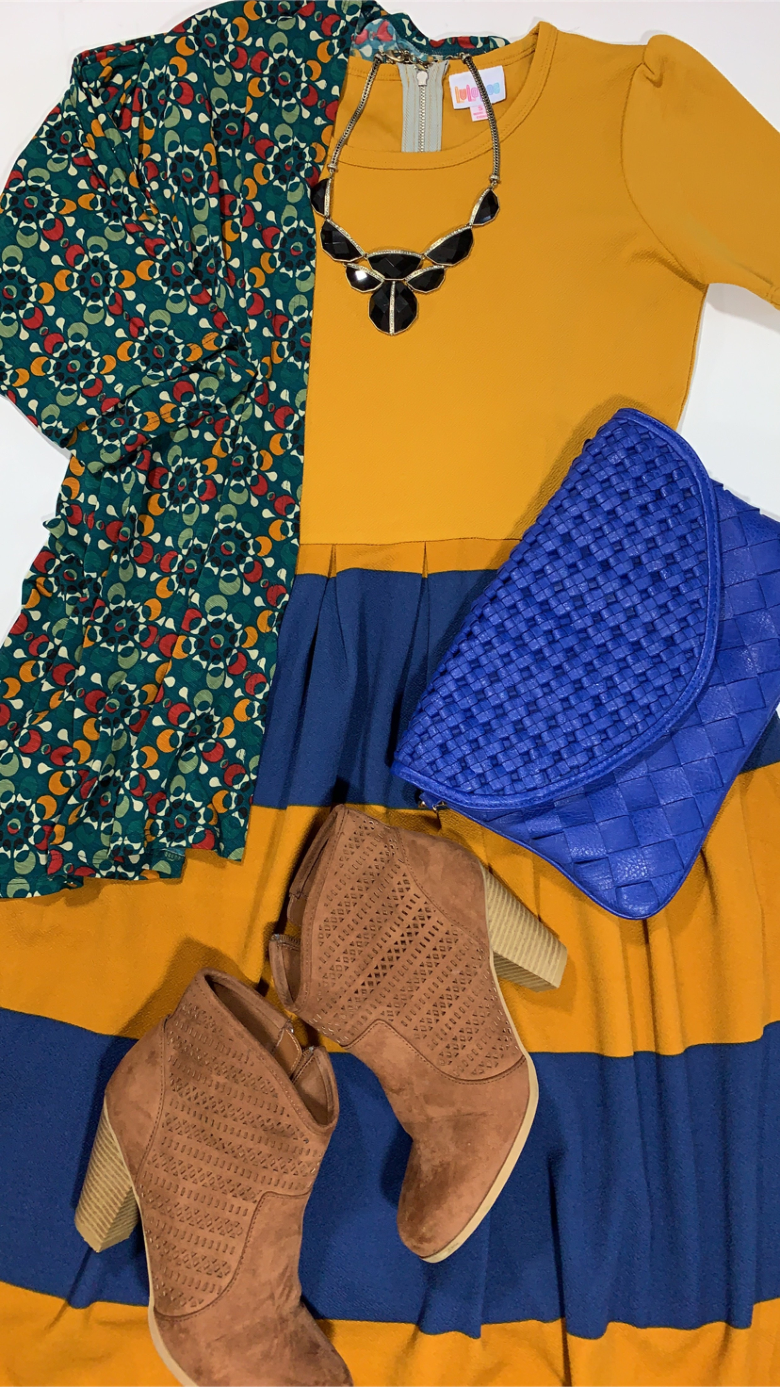 - The complete look! Pattern mix perfection!