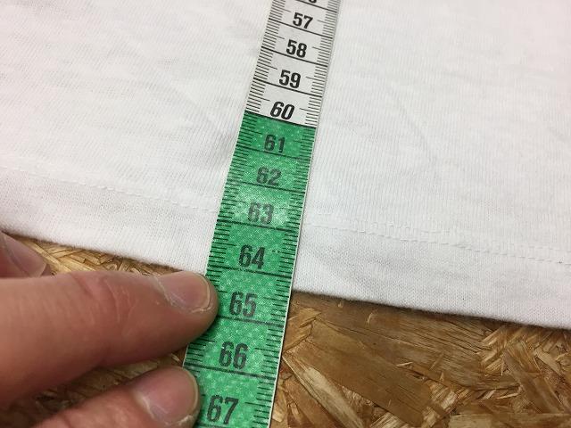 ②-2 着丈の測定位置(裾端)。