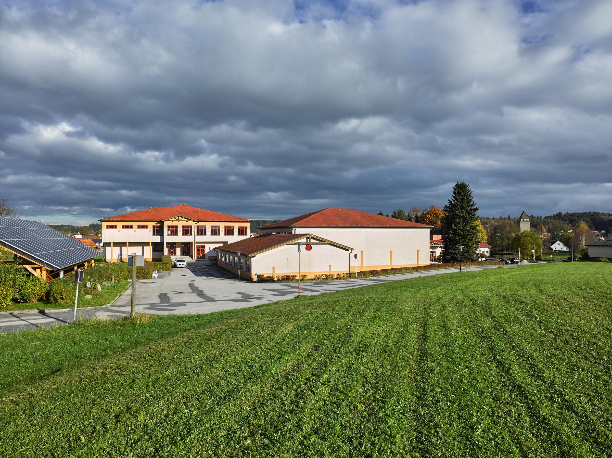 Schulzentrum Heidenreichstein.jpg