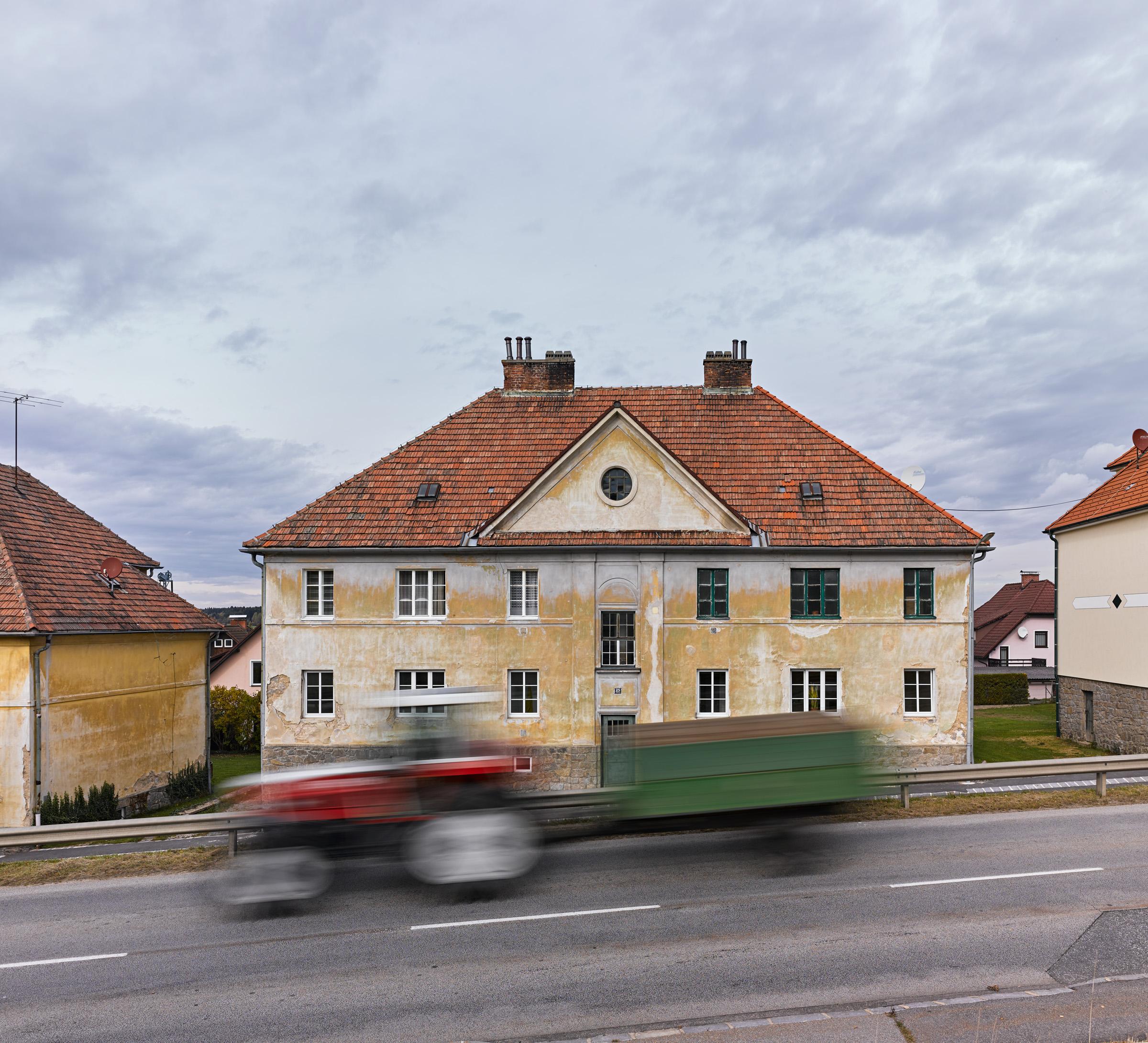 Arbeiterwohnhäuser Heidenreichstein 03.jpg