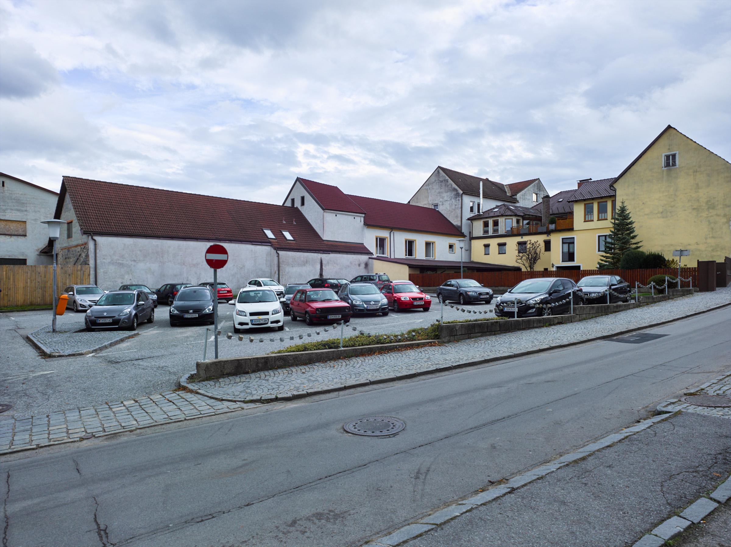 Parkplatz Pfarrgasse Schrems.jpg