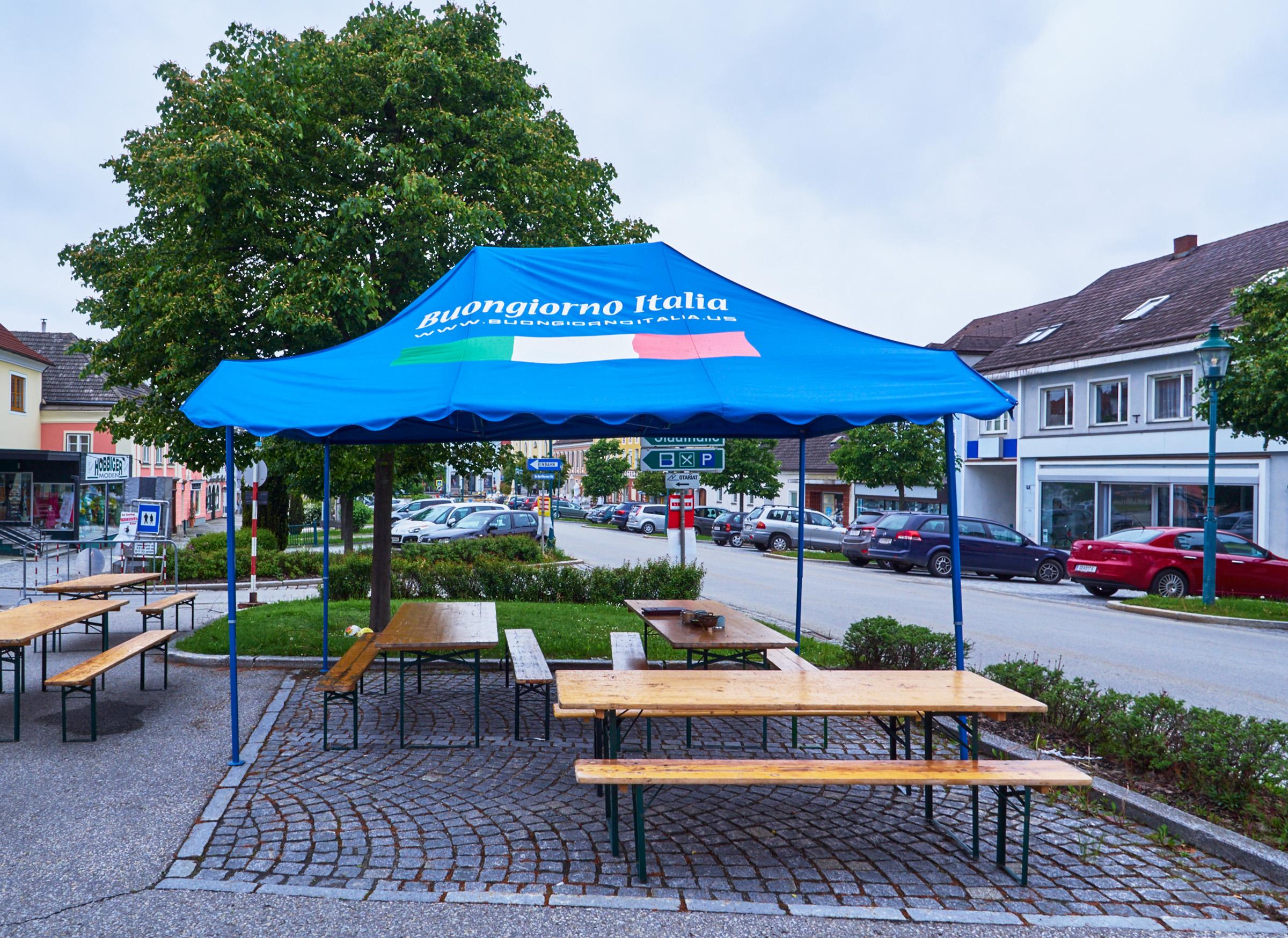 Strassenmarkt Schrems 01.jpg