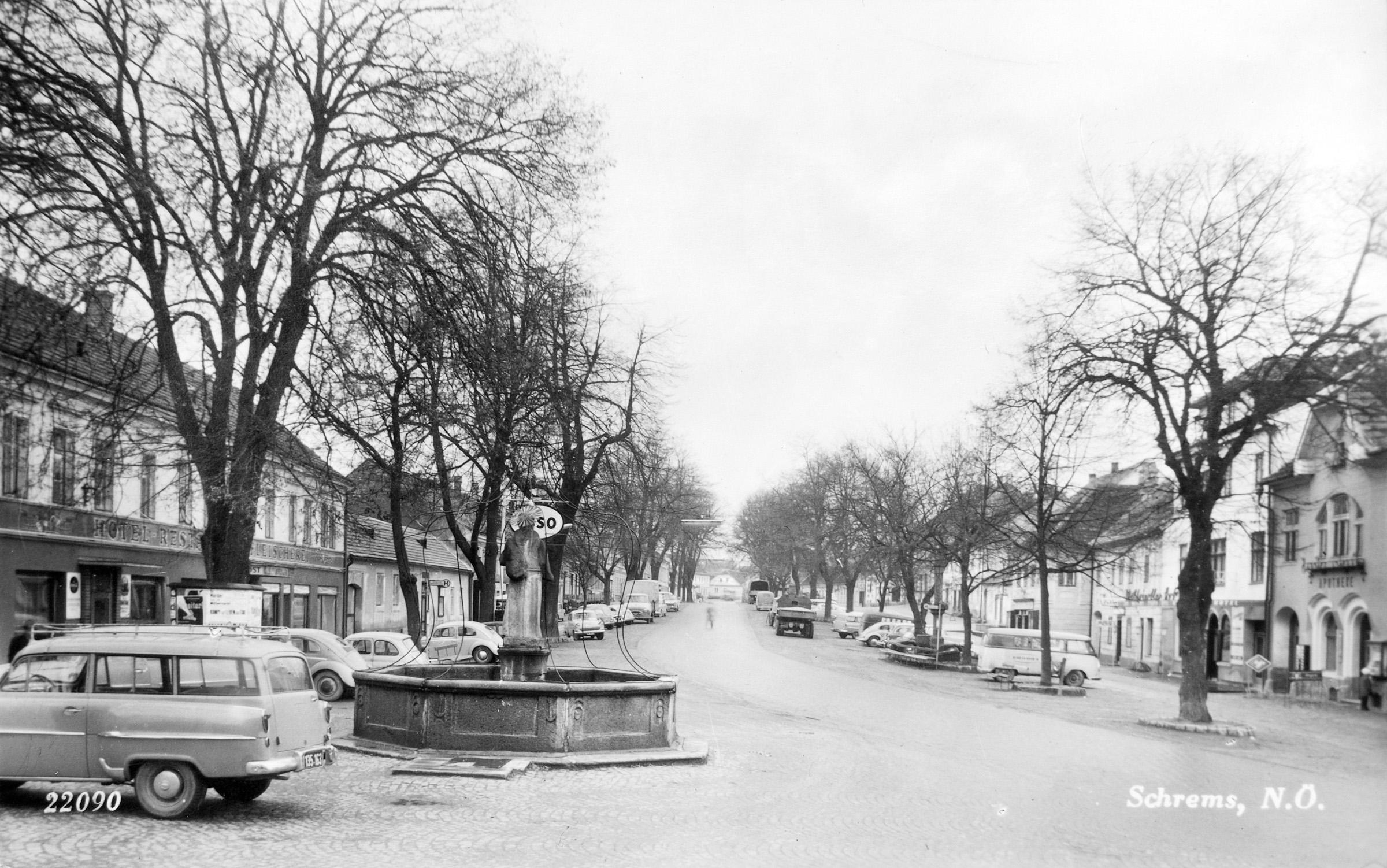 Schrems Hauptplatz 02.jpg