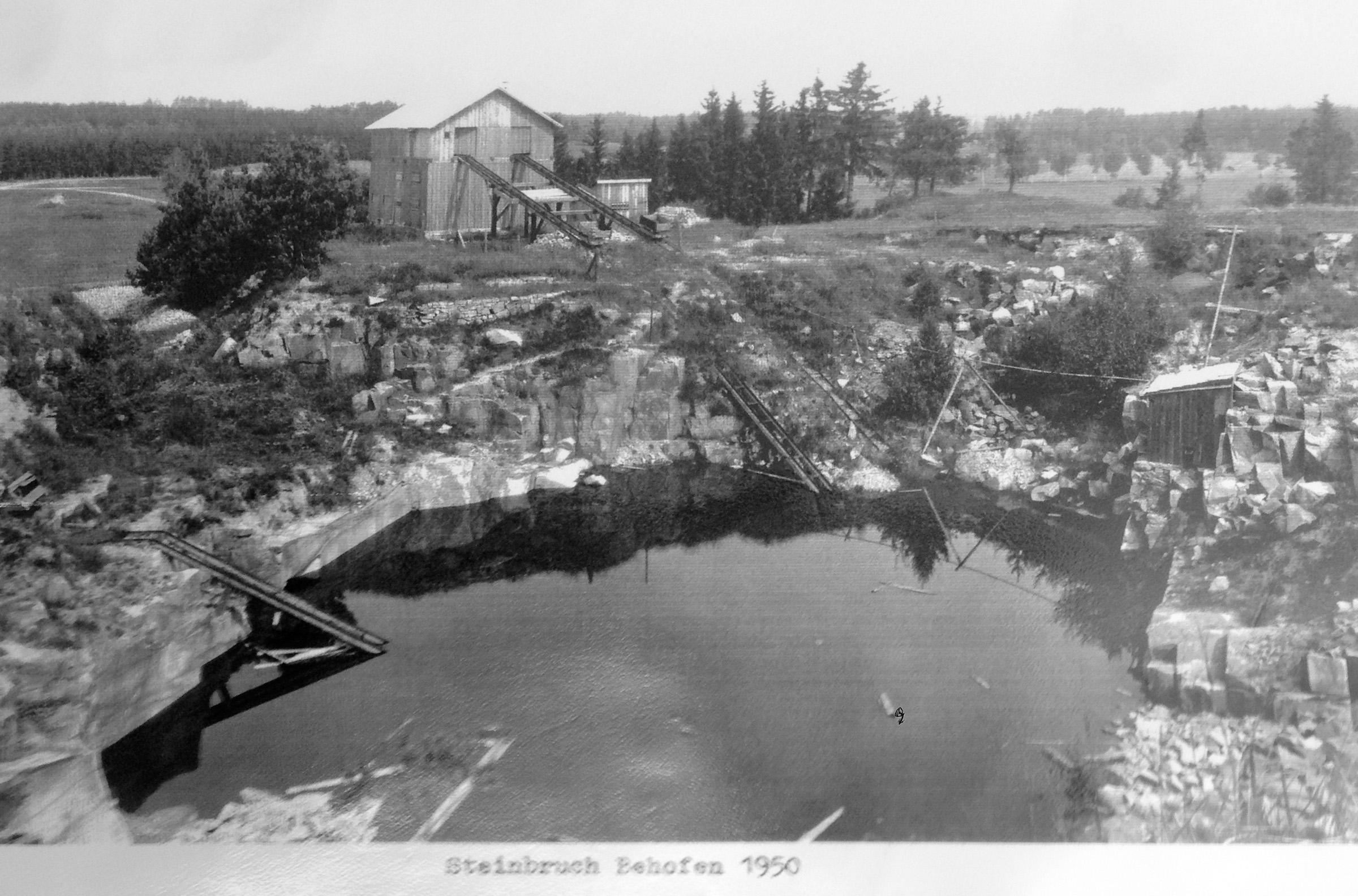 Steinbruch Behofen 1950 Schrems.jpg
