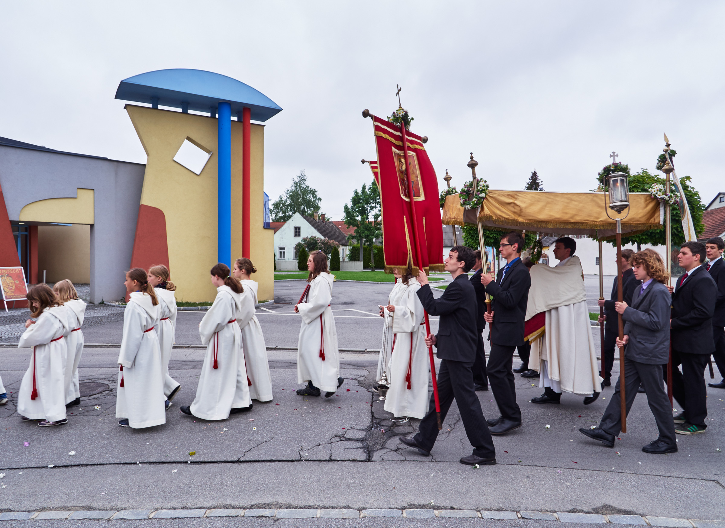 Stadtkapelle und Fronleichnamsprozession Schrems 09.jpg