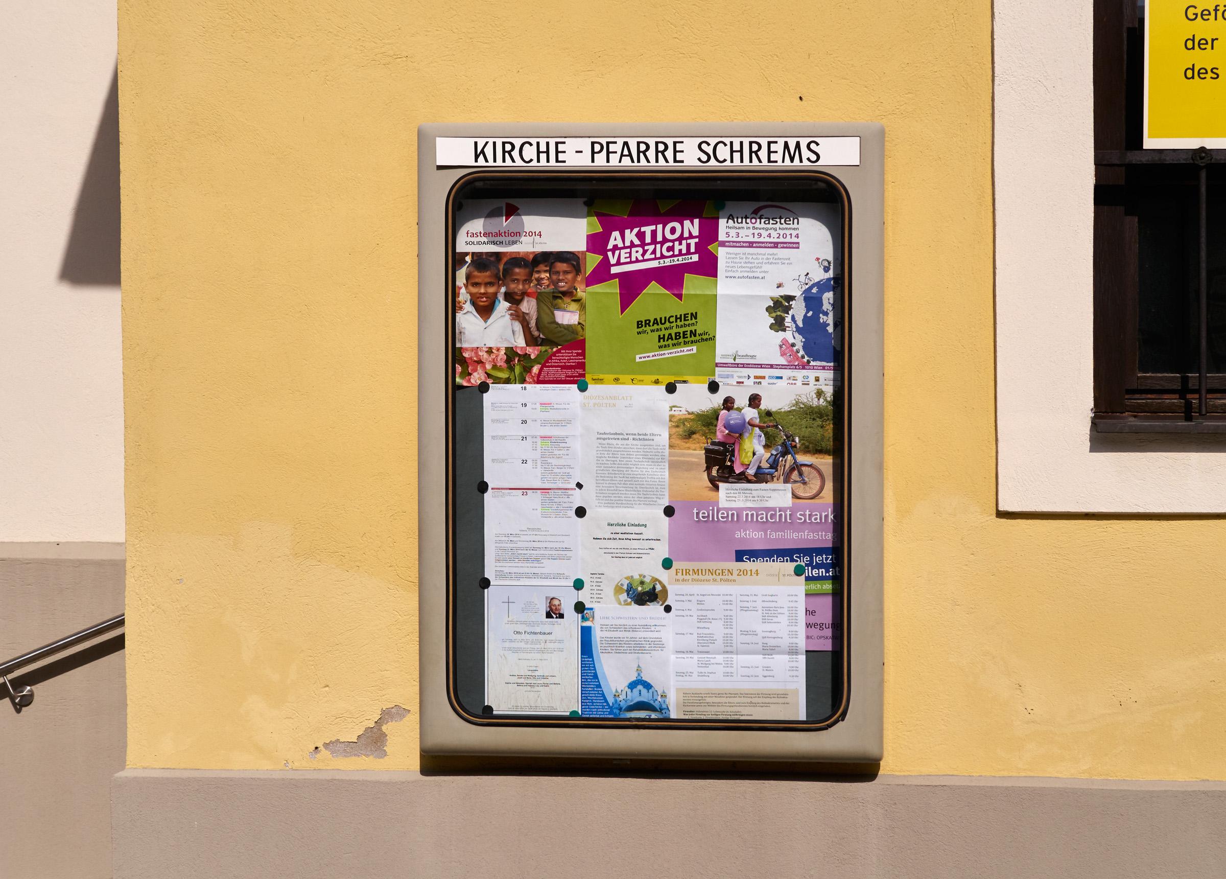 Schrems Kirche nah 2014-03-18.jpg