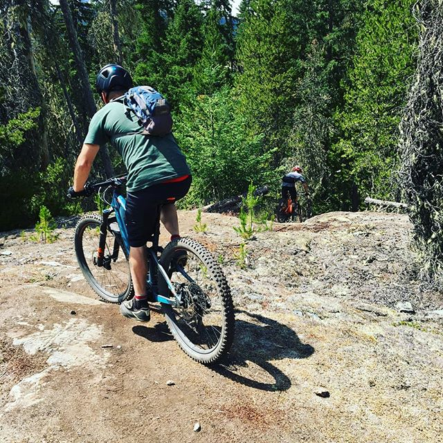 Need help exploring Whistler, then try a guided e-bike tour with @brokenboundary. Come in store to find out more and see which tour would best suit you. . . . . . #brokenboundaryadventures #whistlerbikes #explorebc #littlethingswhistler #scottbikes