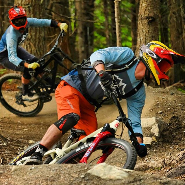 It's always a good time playing a game of follow the leader with @brokenboundary . . . . . #foxracingcanada #troyleedesigns #whistlerbikes #whistlerbikepark #getoutside #britishcolumbia