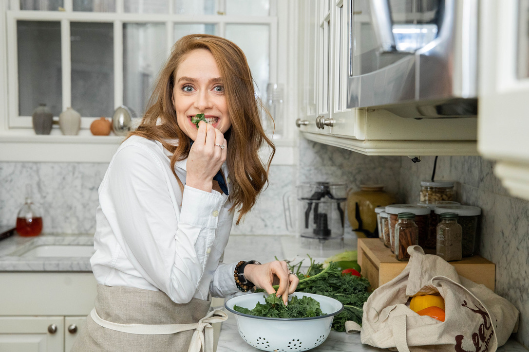 welcome - I'm Abby, an attorney turned dietitian who lives a very eco-friendly lifestyle. I created Abby's Food Court to make a healthy, low waste life approachable, doable, and FUN. I'm passionate about helping you upgrade your health (and life) with hacks that are low-impact to your lifestyle and high-impact to the planet!