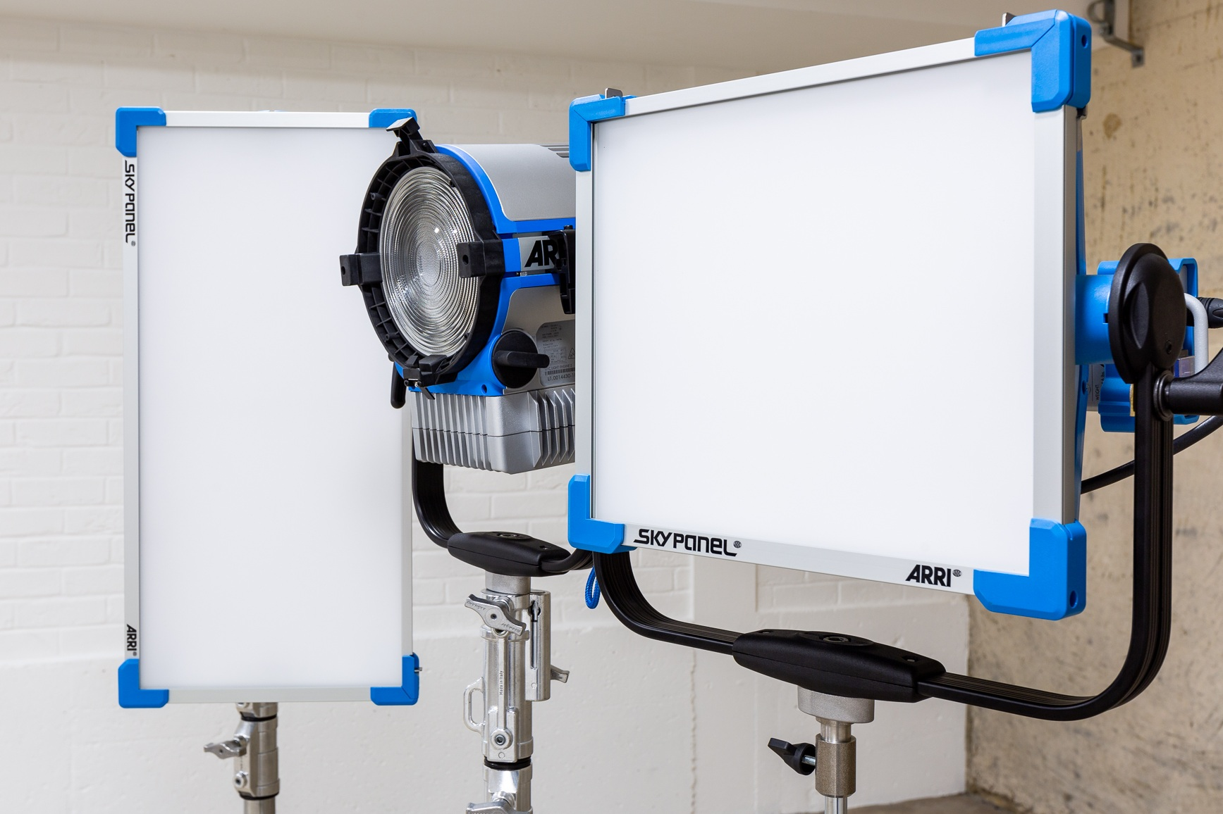 ARRI® RGBW soft and hard LED lighting. -