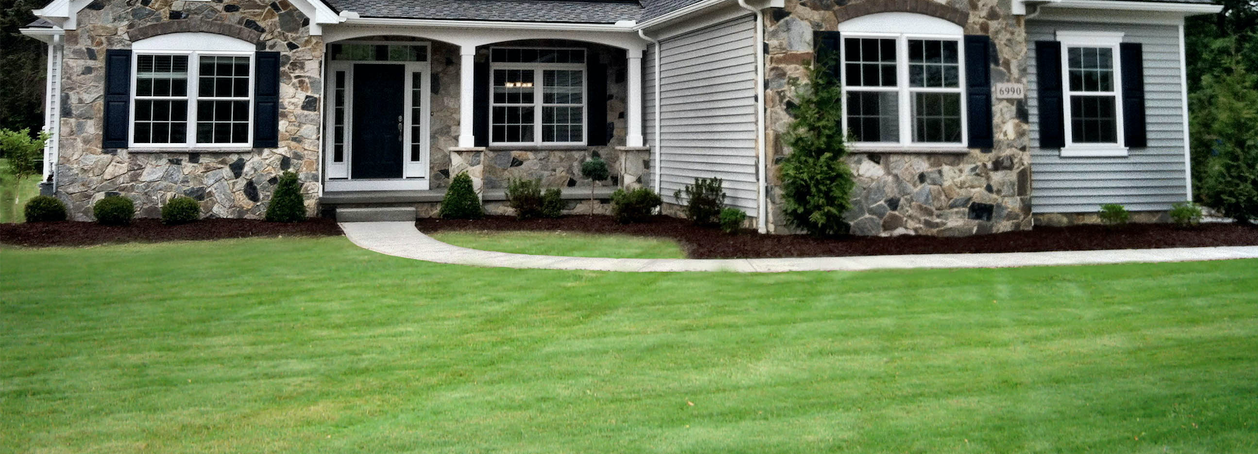 Fast and Free Lawn Care Quotes - Cleanups. Mulching. Mowing. Fertilizing.