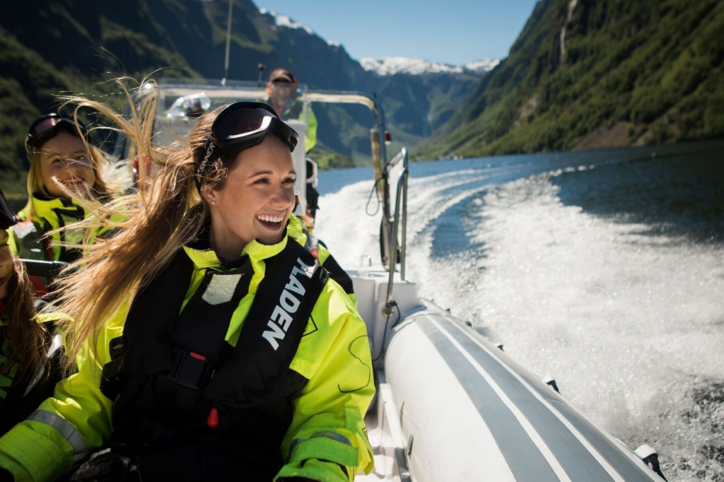 Photo:  www.fjordsafari.com