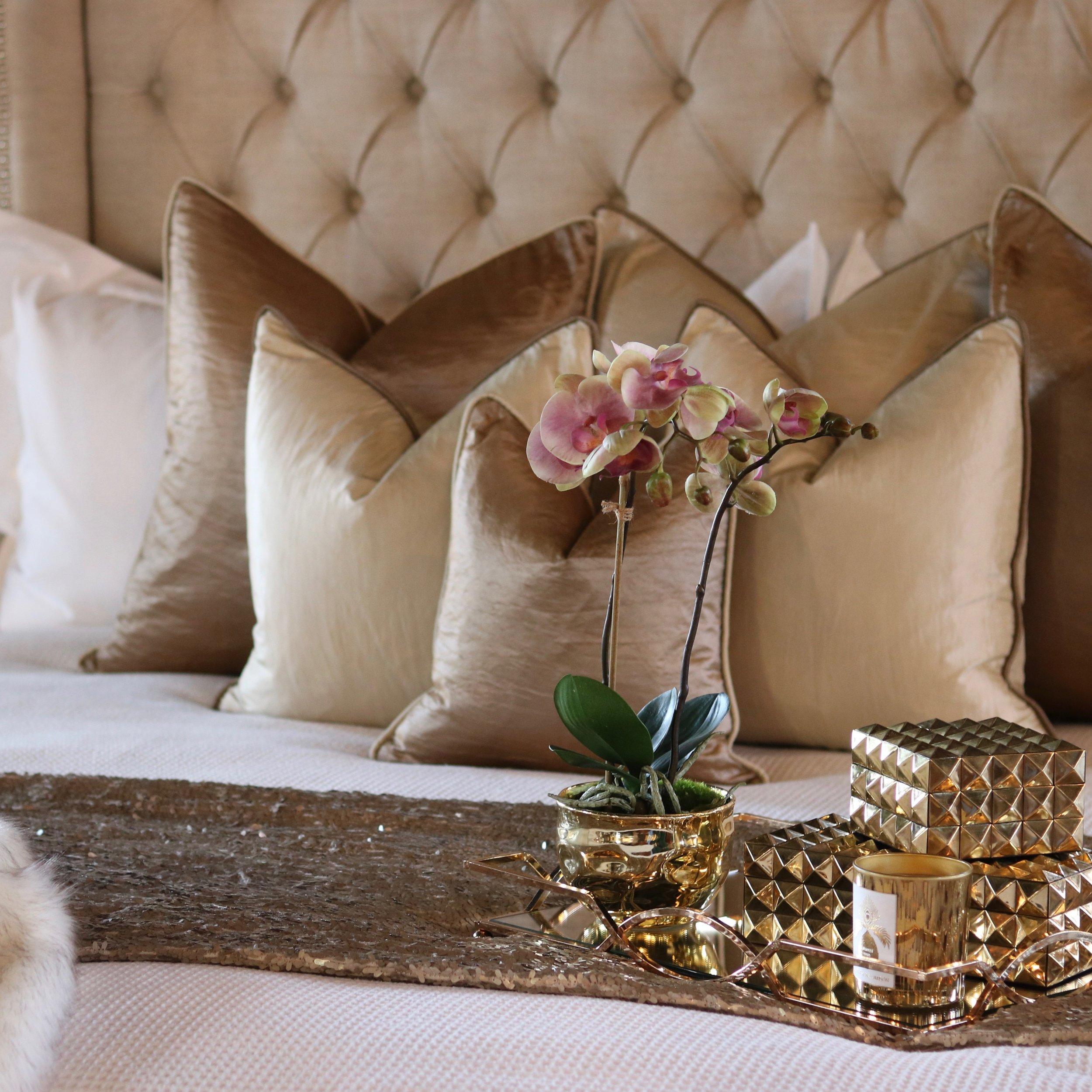 CCco Bed Cushion Sets