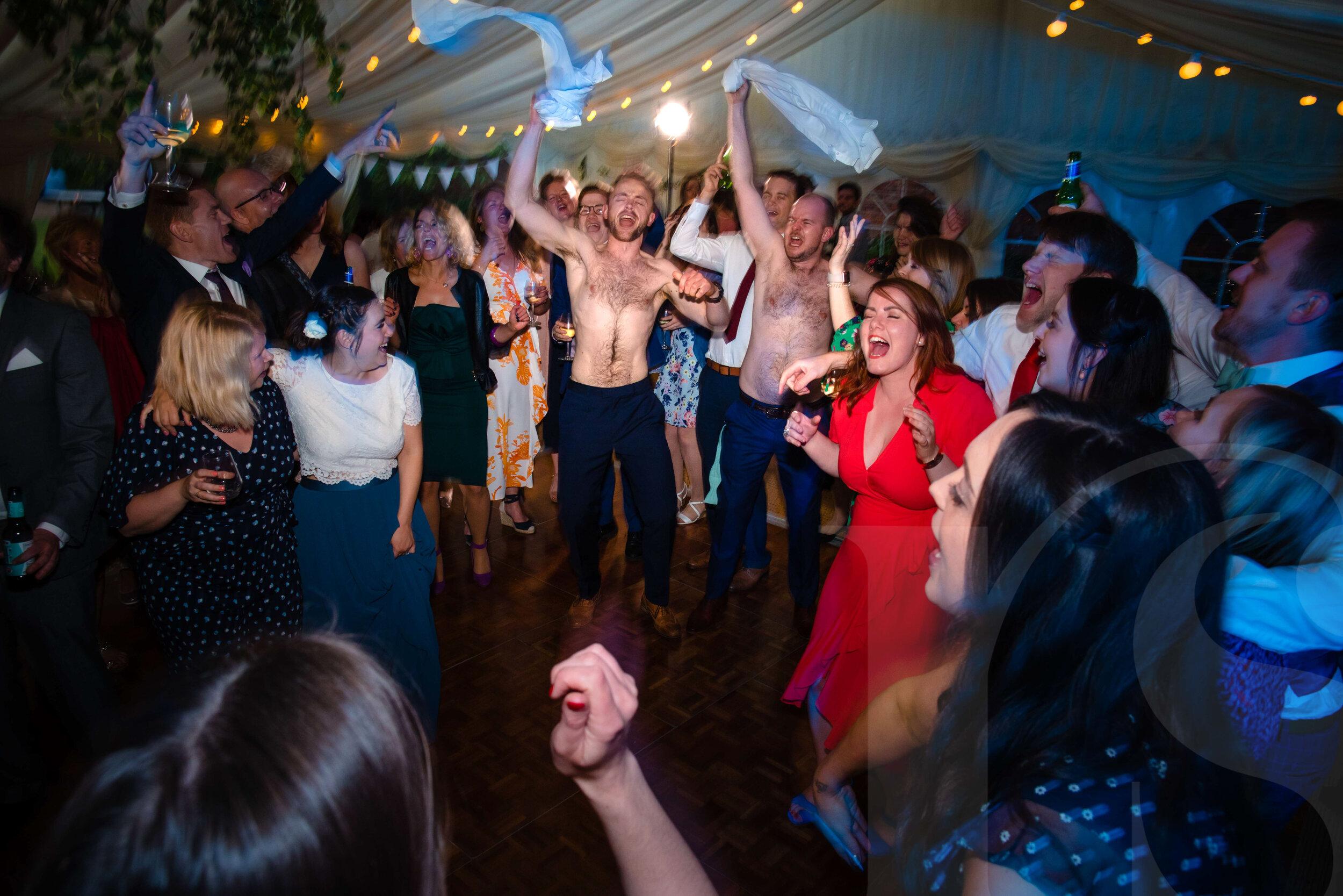 marquee-wiltshire-wedding-photographer-1.jpg