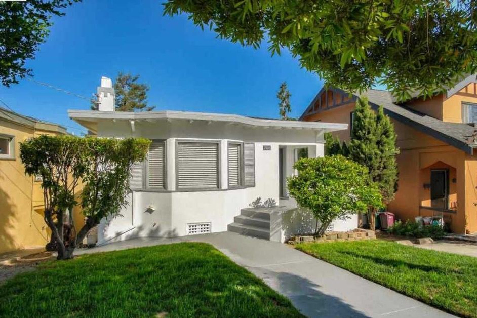 3926 Linwood Avenue - Glenview, Oakland