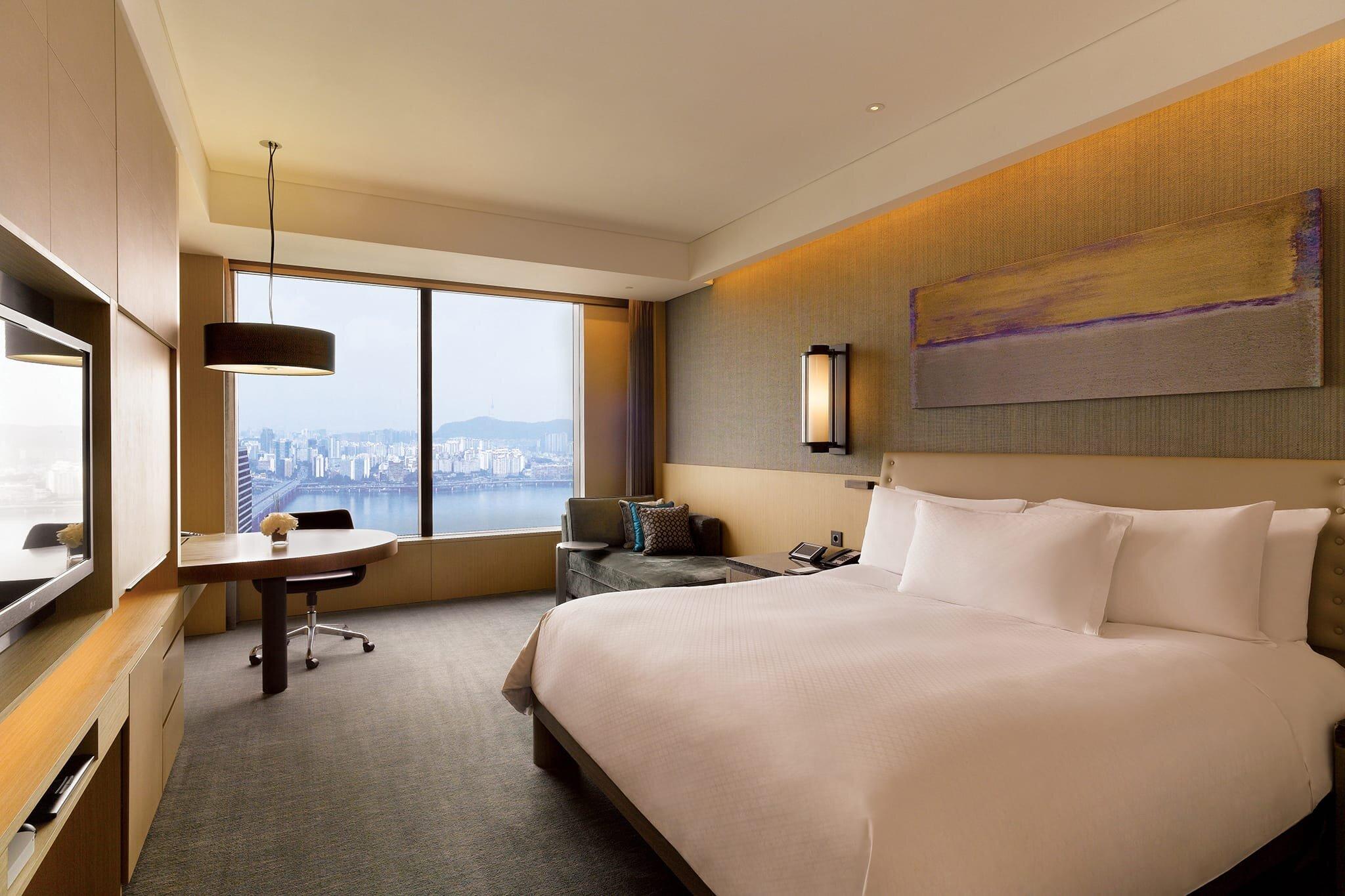 Conrad Seoul King Bedroom