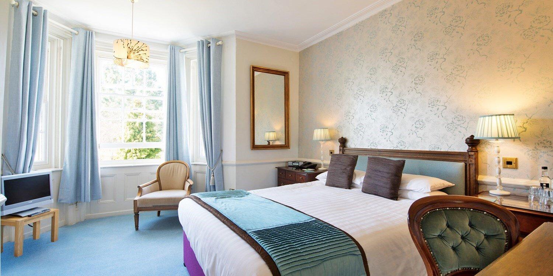 Woodlands Lodge Hotel room.jpg