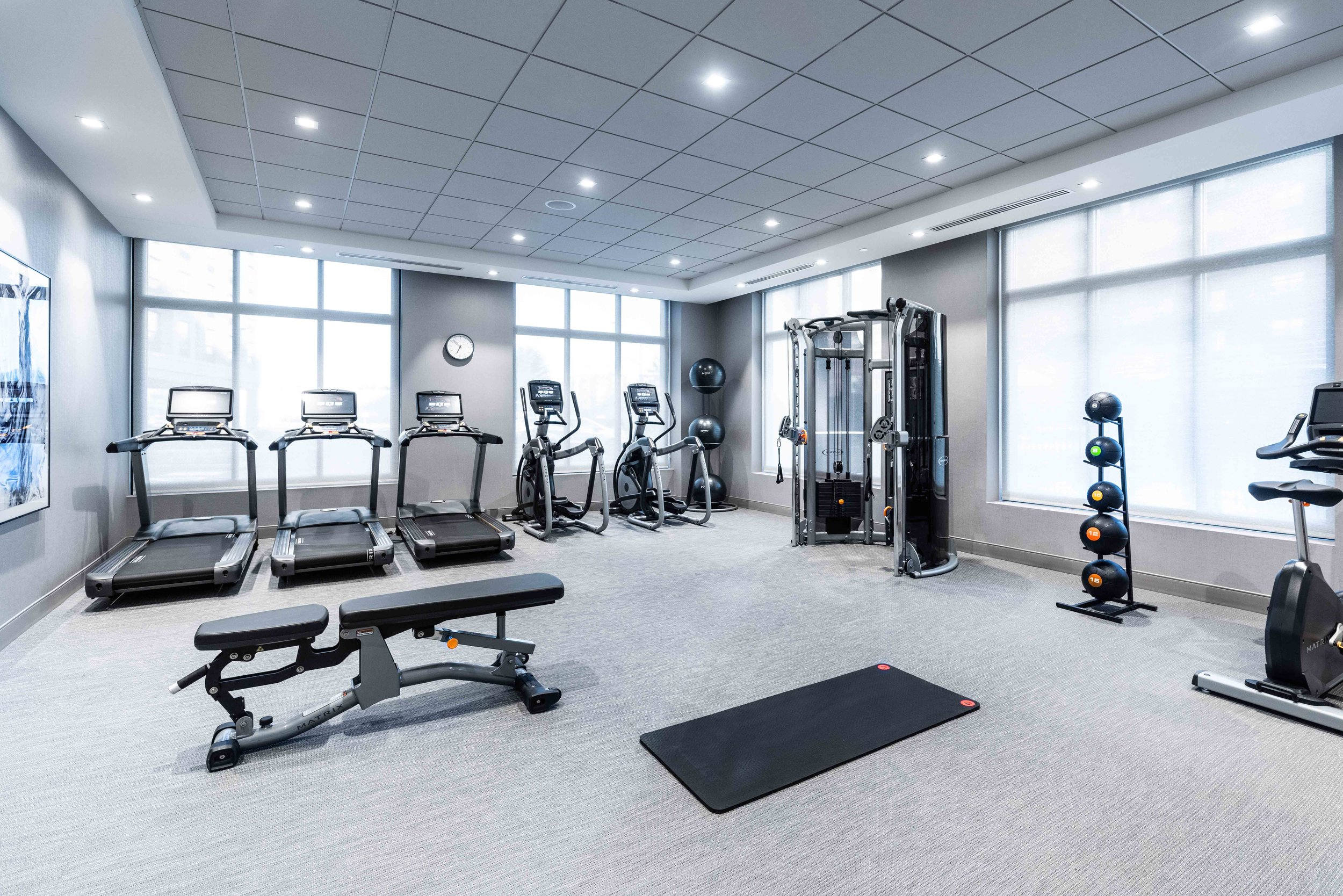 Stay Fit - Work out anytime of the day in our state-of-the-art fitness facility. A modern design with your needs in mind.