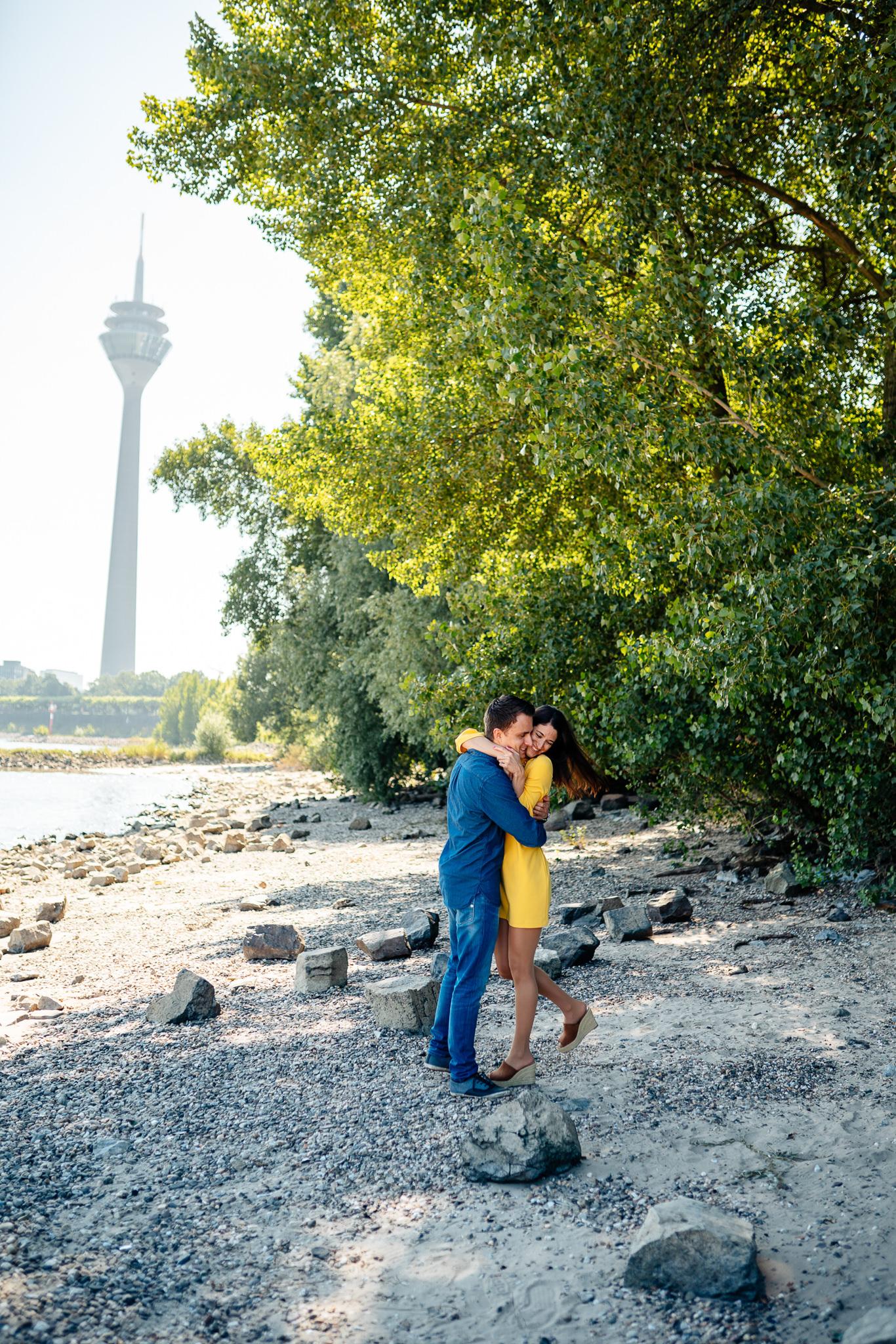 ©svenjaeger_Paarshooting im Medienhafen_0015.jpg