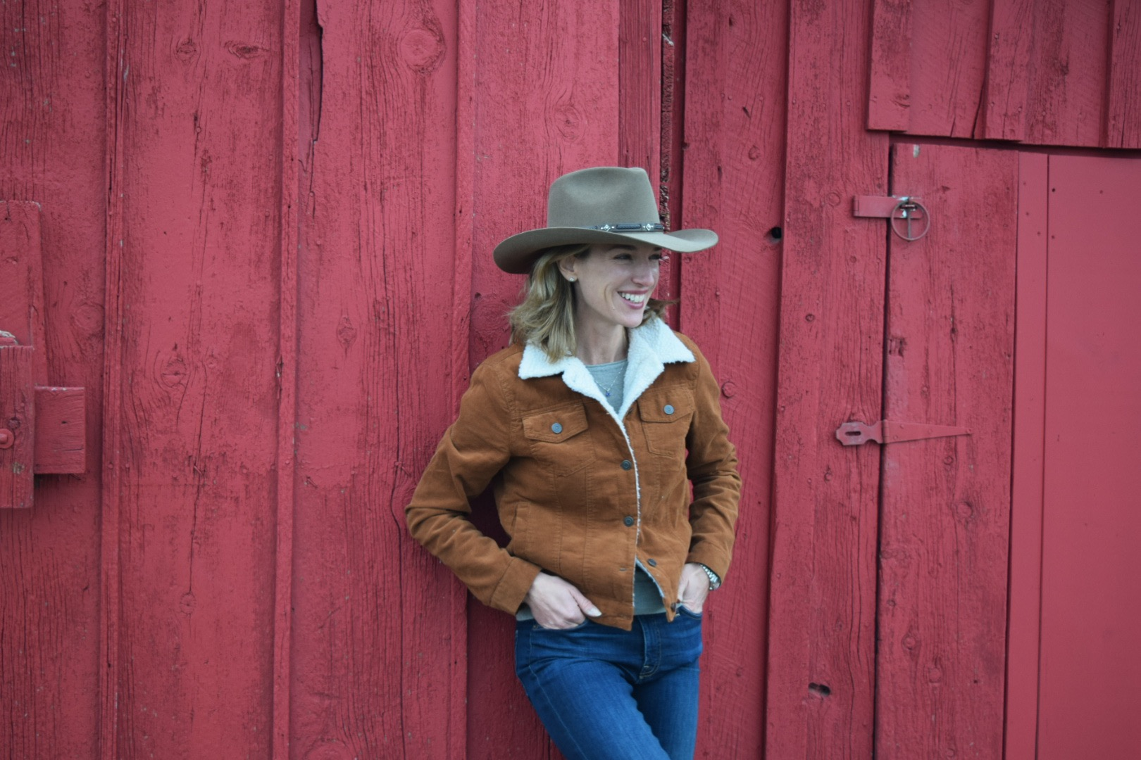 Christine - Founder of Shortgrass Prairie beef. Having travelled the world, the ranch is still her most favorite place.