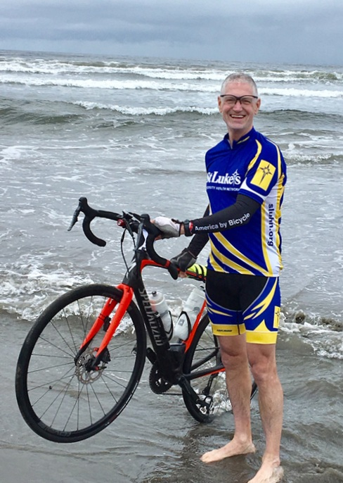 - This is the Pacific coast near Astoria, Oregon. The tradition is to dip one's rear wheel in the Pacific Ocean at the start fo an eastward crossing of the country.