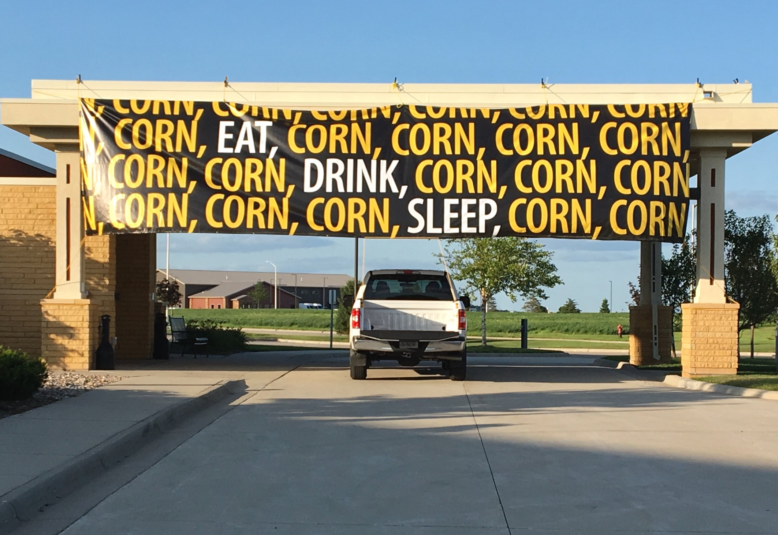 - We shared the hotel in Worthington, MN, with attendees at a corn convention, fitting because there is so much corn here in MN. There was a monstrous John Deere combine in the parking lot that harvests and shells 12 rows of corn in a single pass.