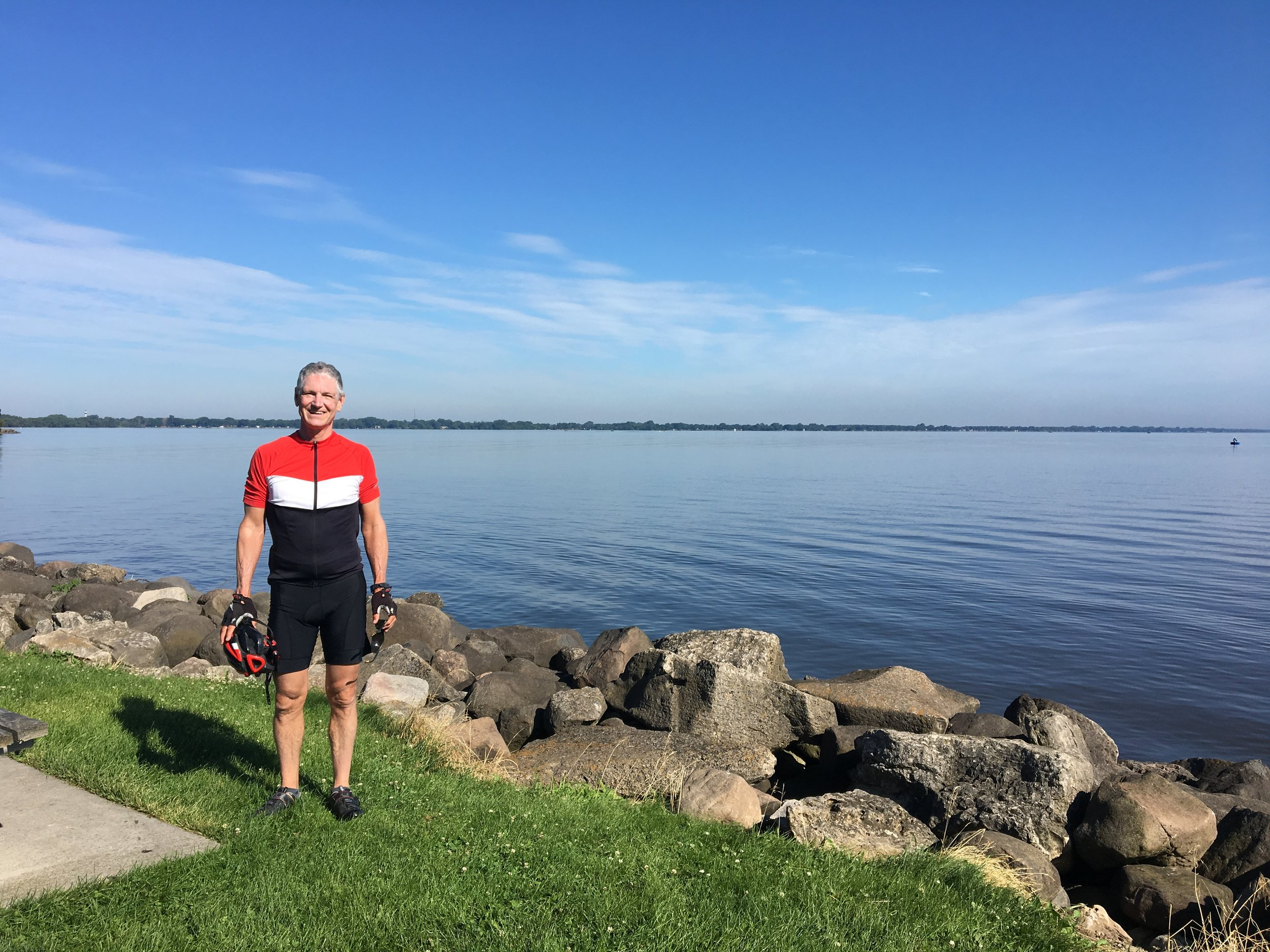 - This photo of me is at the southern end of Lake Winnebago in Fond du Lac, Wisconsin. Fond du Lac is a lovely town that must be doing well economically, as most of what we saw there seemed new and clean.