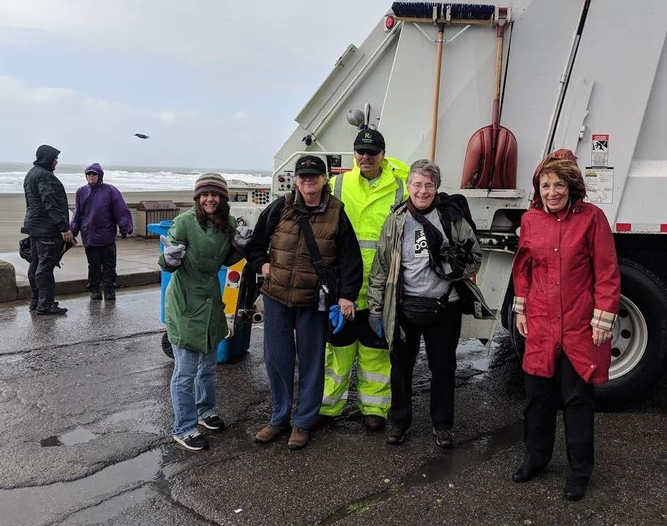 SFDOG partnered with U.S. Representatives Jackie Speier and Jared Huffman as well as with Recology for a cleanup at Ocean Beach