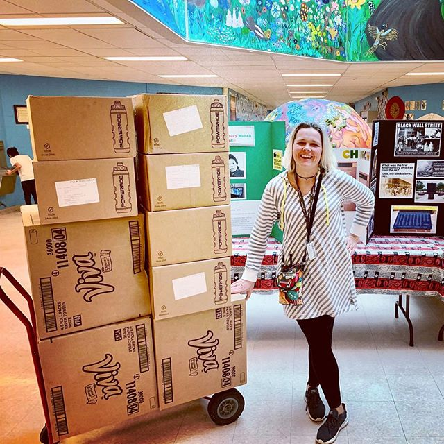 We love Wednesdays and we love spreading joy. Thanks to our amazing brand partners, we are able to donate supplies to community youth programs at Harrison Park and Andrew Jackson School. #HappyHumpDay #ElementoL2 #StaffSmiles ☺️