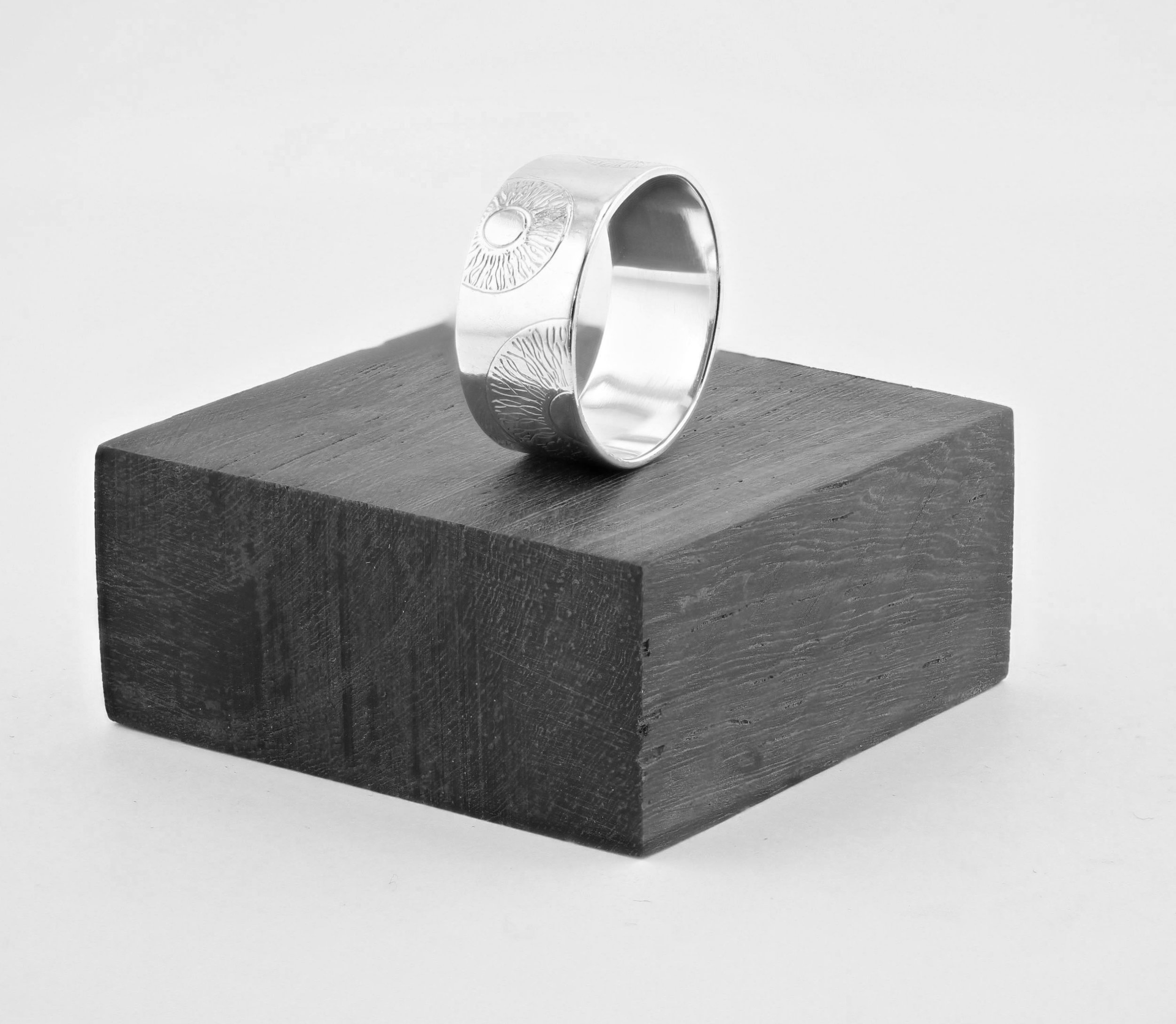 Sight Band Ring 2.jpg