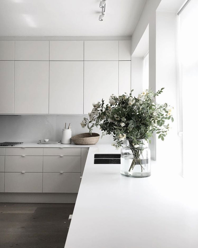 Scandinavian-white-on-white-interior-inspiration-nordicdesign-02.jpg