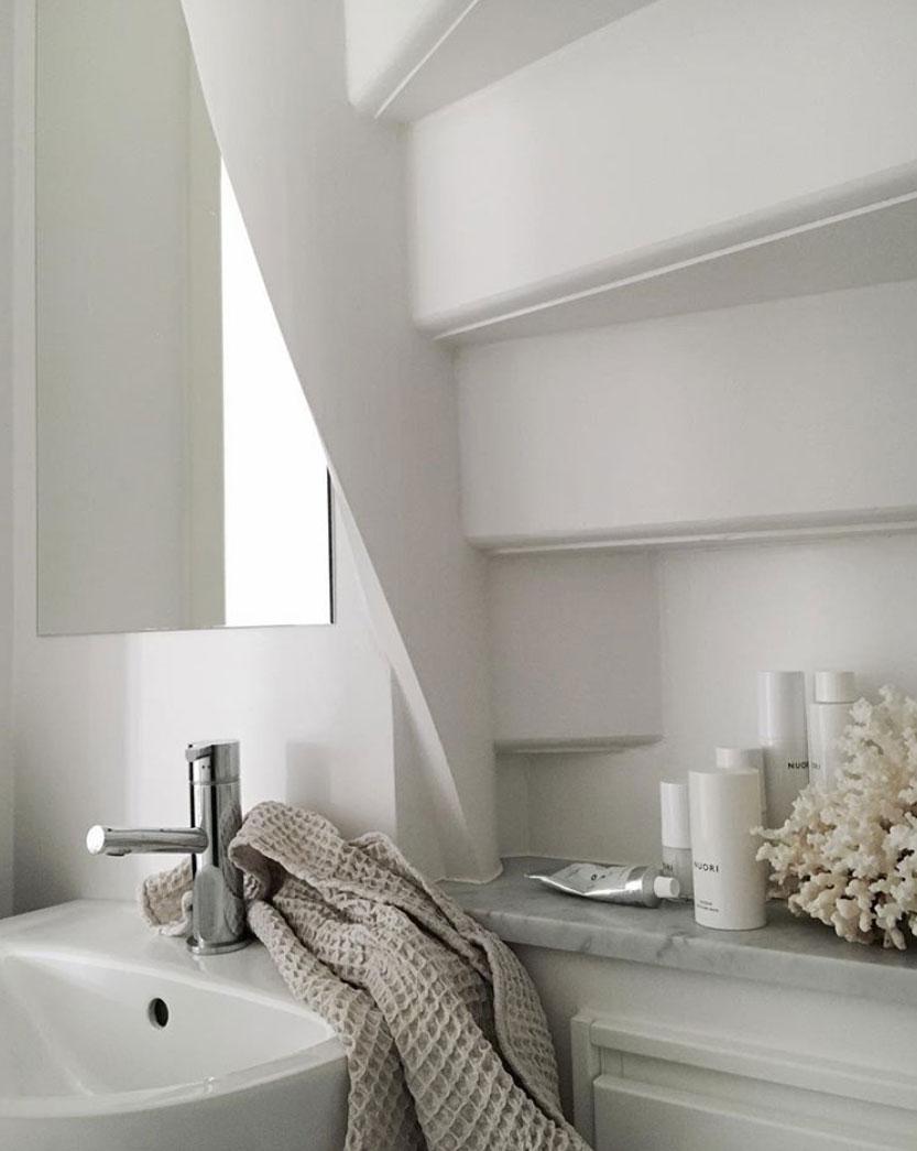 Scandinavian-white-on-white-interior-inspiration-nordicdesign-07.jpg