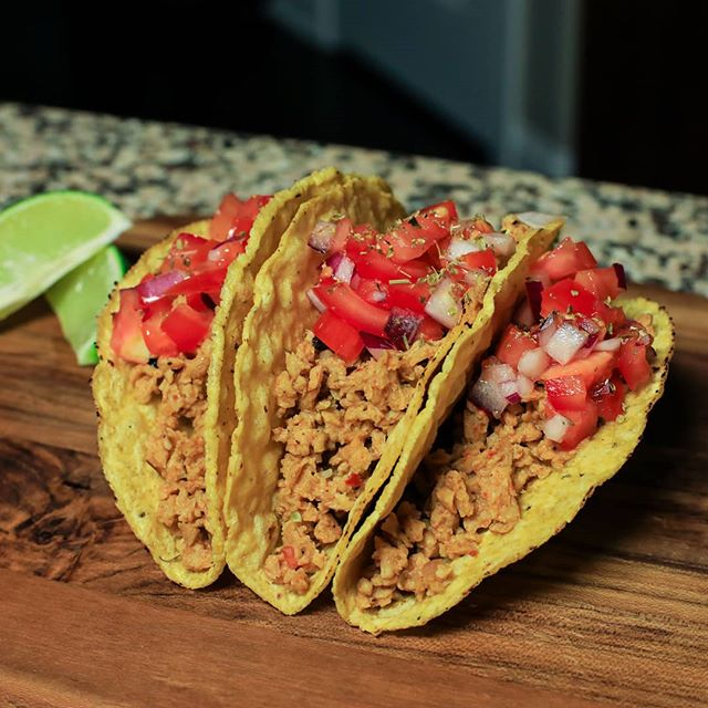 Taco Tuesday! Longéve plant-based protein crumbles make delicious tacos! #plantbaseddiet #plantbasedrecipes #healthylifestyle www.longevebrands.com