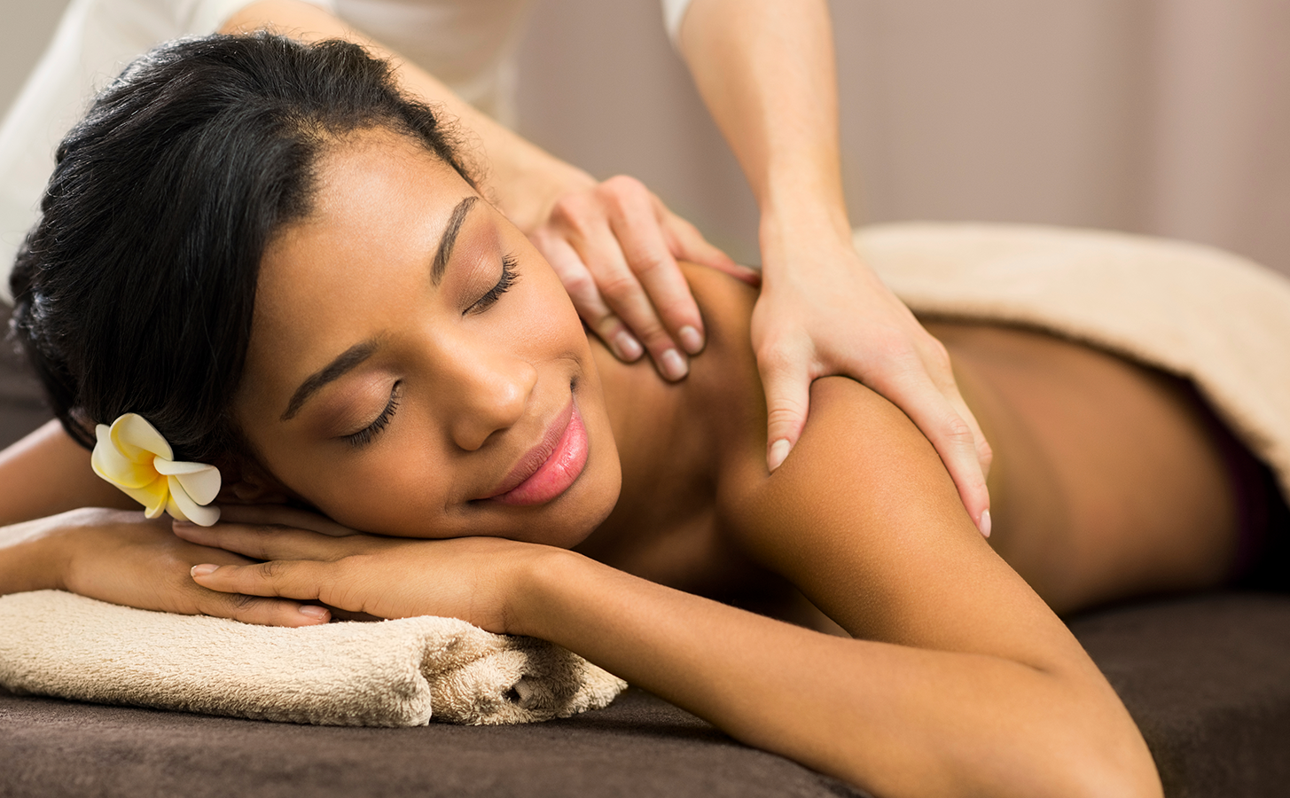 massage-natrabella-skincare-brooklyn.png