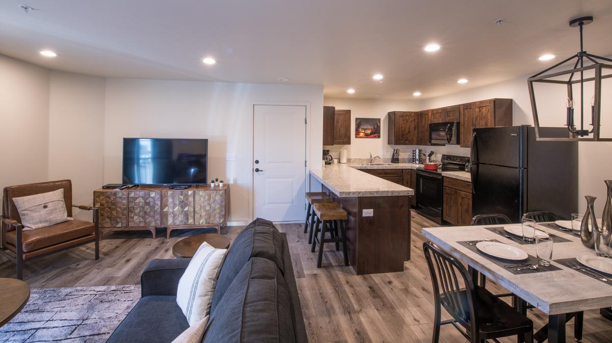 Moab Redcliff Condo utah southern vacation rentals kitchen 22.jpg