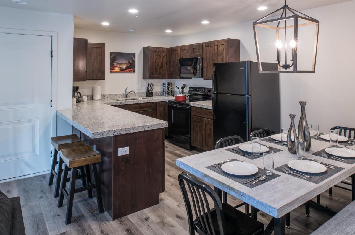Moab Redcliff Condo utah southern vacation rentals kitchen 19.jpg