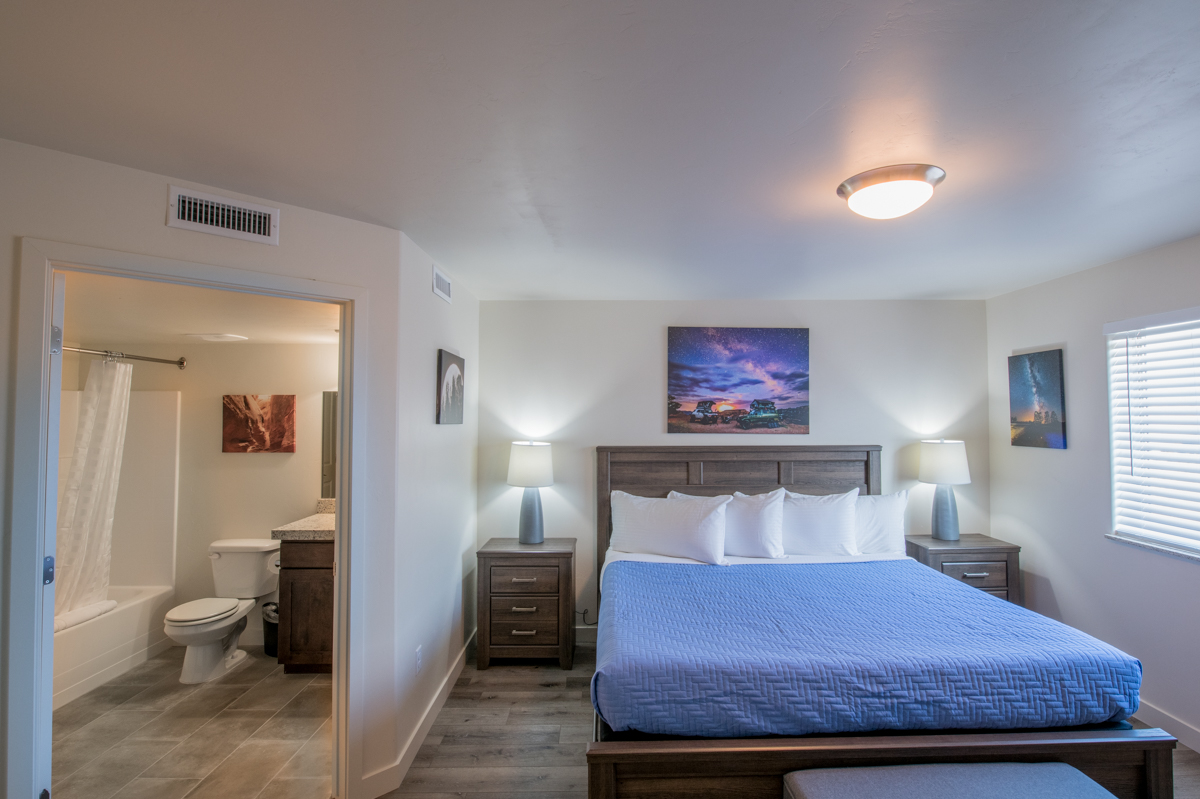 Moab Redcliff Condo utah southern vacation rentals kitchen 3.jpg
