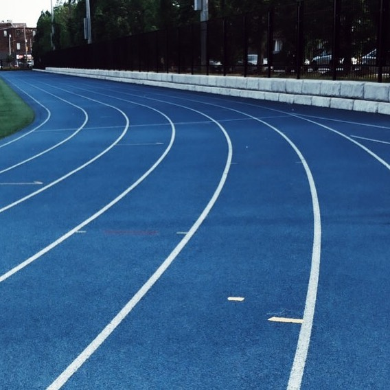 TRACK & FIELD! 🤸🏼♂️🏃♂️... • The track is of one our favourite places to work out - specifically for interval/run training. - WHY DO WE LOVE THEM? 1. Easily accessible in most cities (local highschools, health club or college tracks).. 2. FREE (most of the time).. 3. Running on a track breaks up the monotony of the roads and allows you to test out your speediness!.. 4. Nostalgia!! (Who else misses elementary school track meets?!) • Can't find a track? Use your Venue Foyer + Stairs (we've done it!) or get creative with your outdoor surroundings.. — Our go-to routine: (On a 400 track) . • Brisk walk (400M - one lap). • High Knees (100M). • Butt Kicks (100M). • Warm Up Jog (2KM - 4 laps). • STAIRS! Walk, run or jog up the stairs/bleachers (3-5 times). • Tricep Dips off the stairs/bleachers (20 reps). • Mountain Climbers (20 reps). • Run (1400M - 3 laps) followed by 2 min rest. • Sprint (400M - 1 lap). • Cool Down Jog (1KM - approx 2 laps)... - & DONE. But don't forget to get your stretch in!