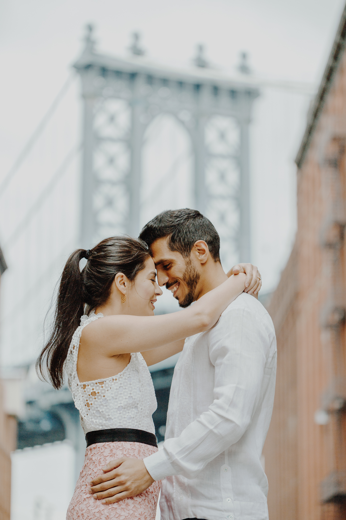 Brooklyn bridge engagement photos